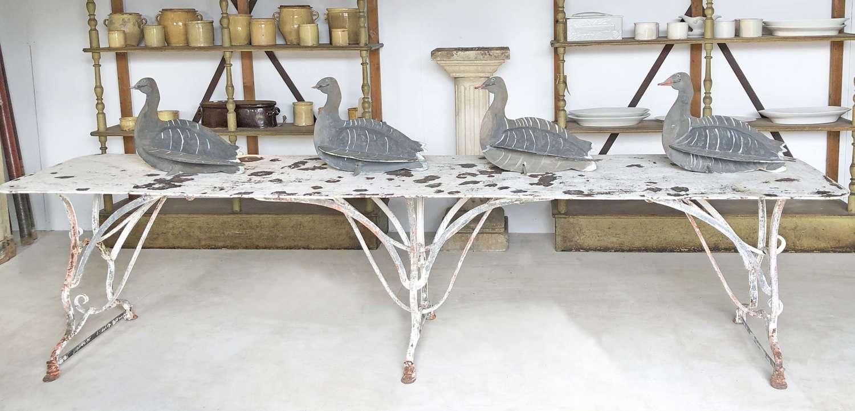 Antique garden furniture arras