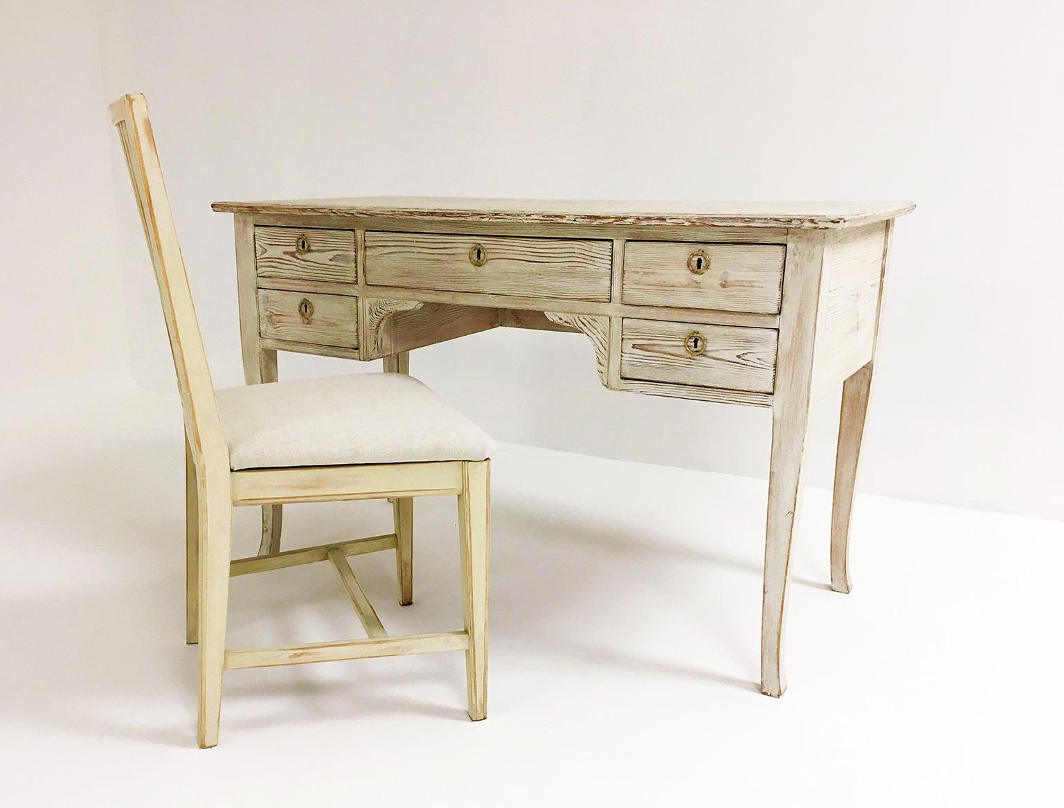 Swedish Pine 5-drawer desk - Circa 1950