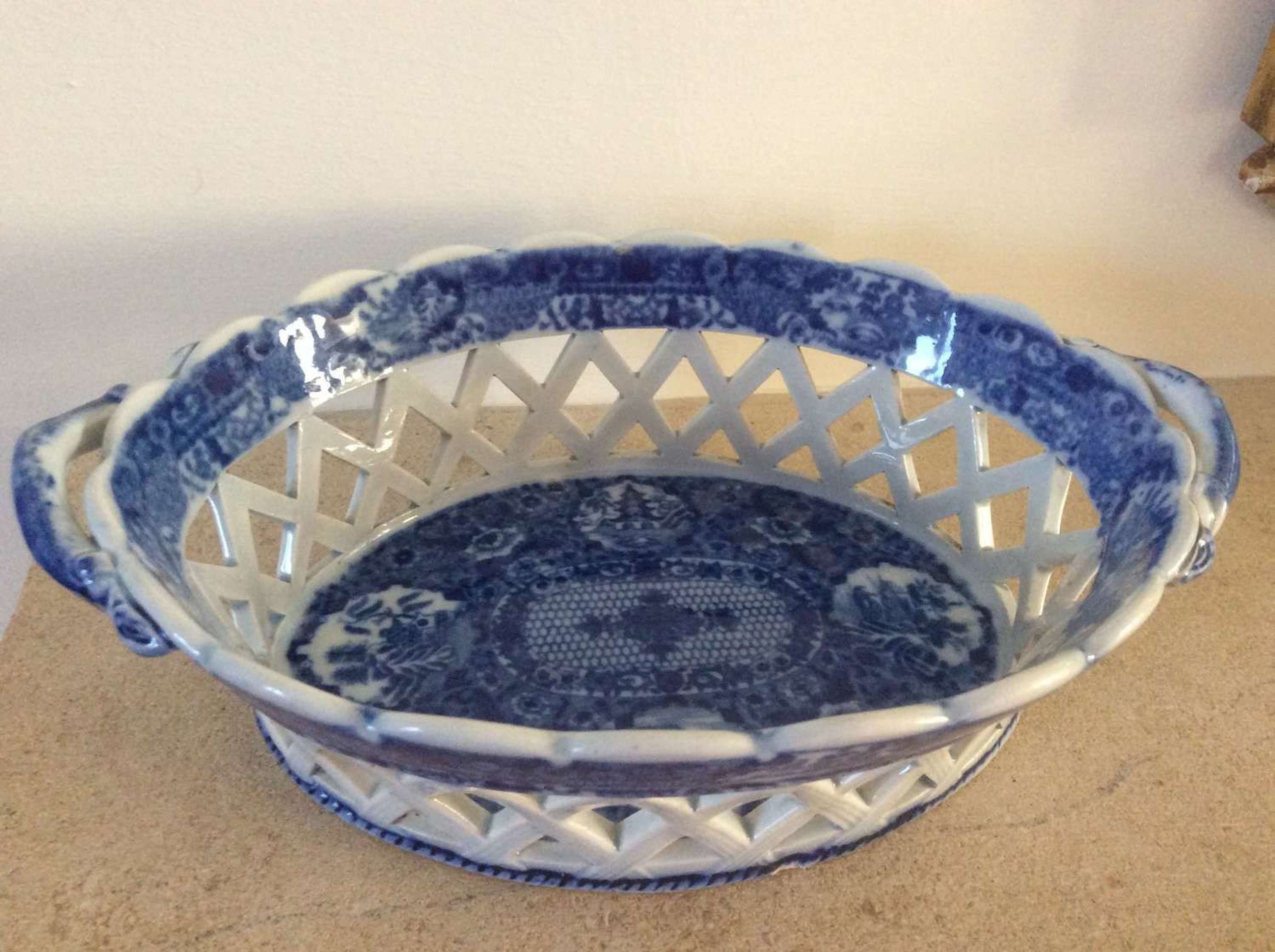 Pearlware blue and white Chestnut basket early 19th Century