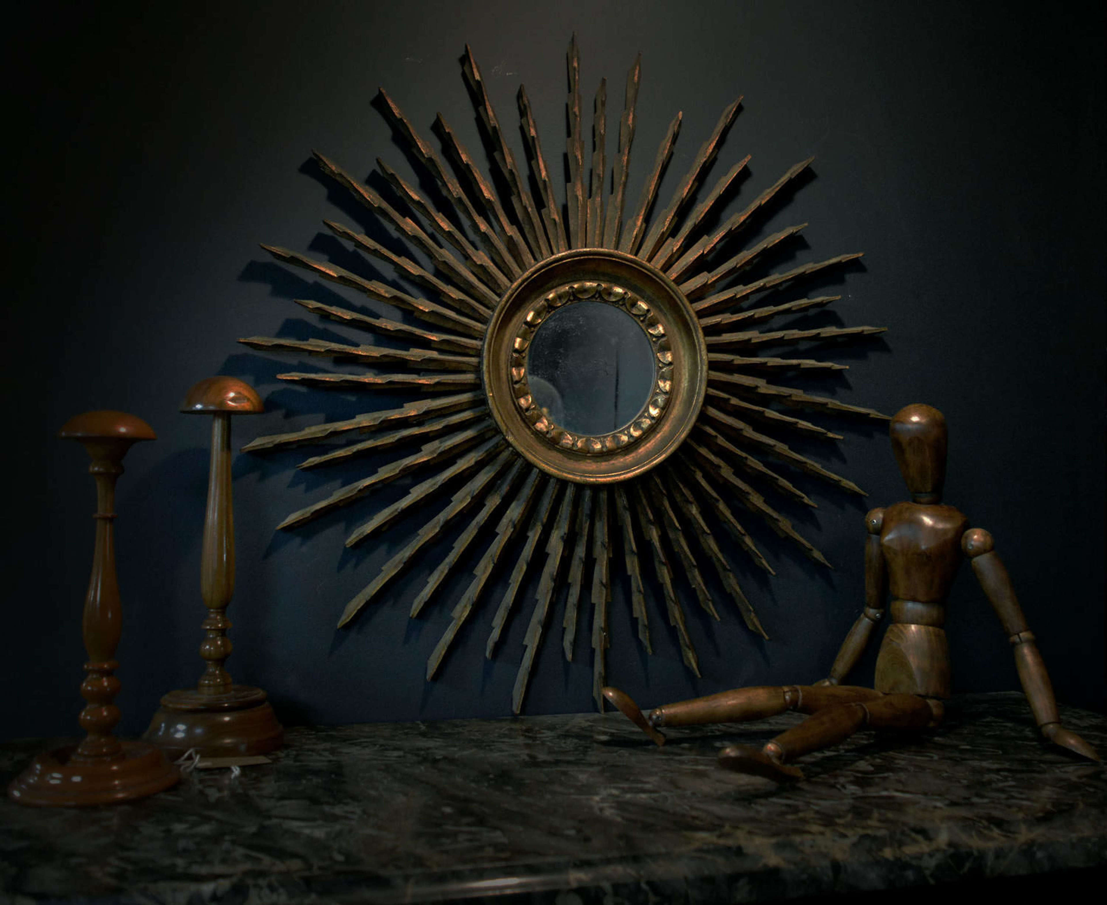 1950 S Art Deco Style Gilt Wood Sunburst Mirror In Antique Gilt Mirrors