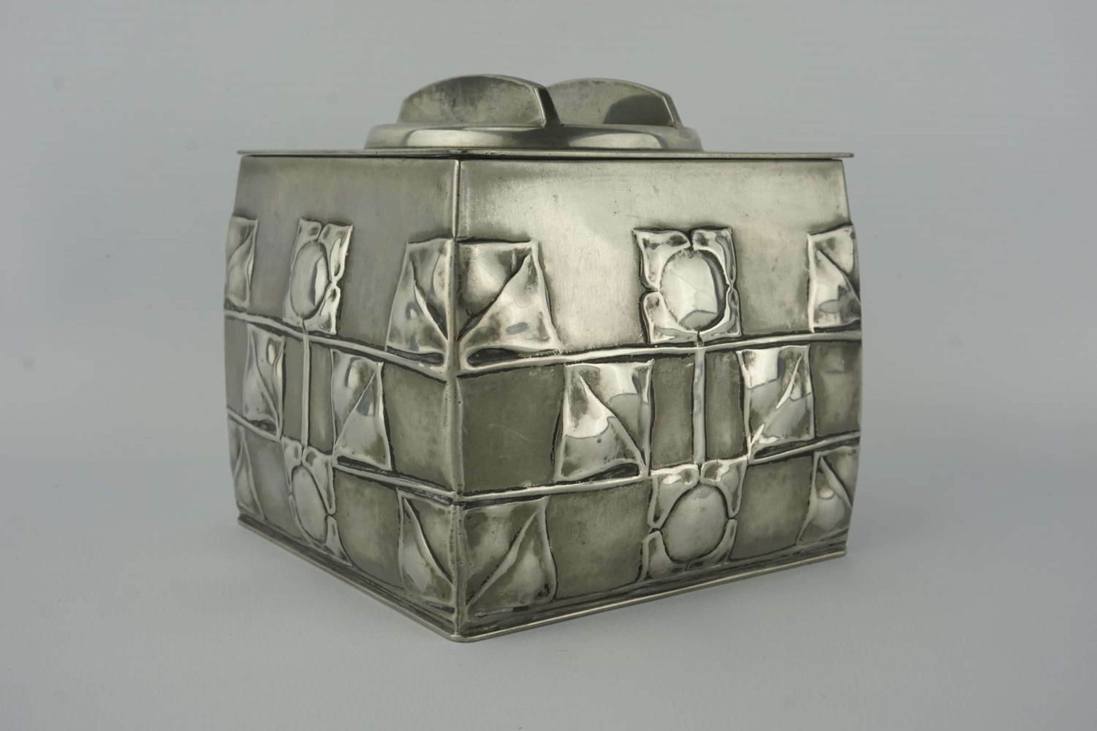 Liberty & Co Tudric pewter biscuit box by Archibald Knox (c1905)