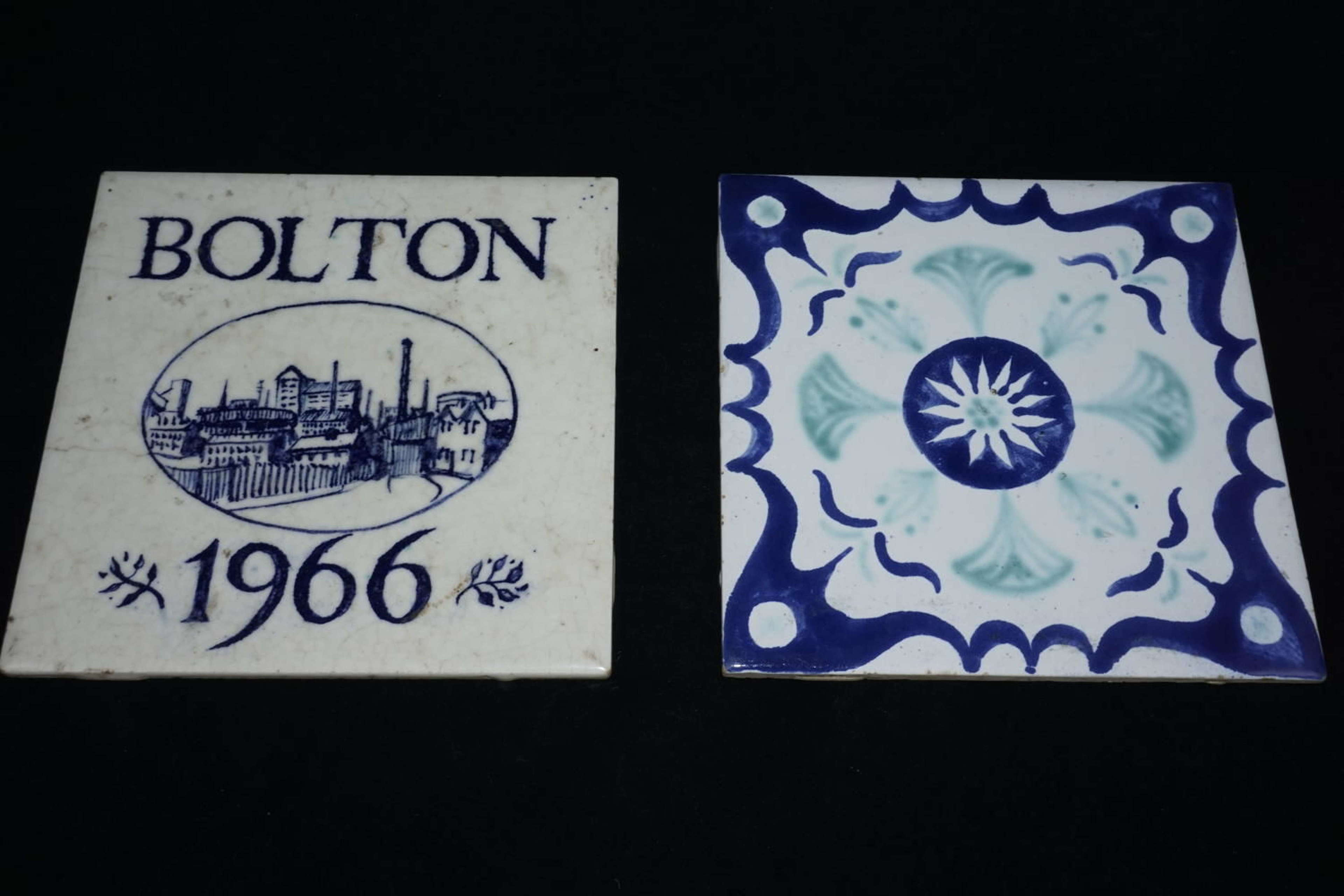 Vintage pair of Pilkington ceramic tiles, one in the form of a trivet,
