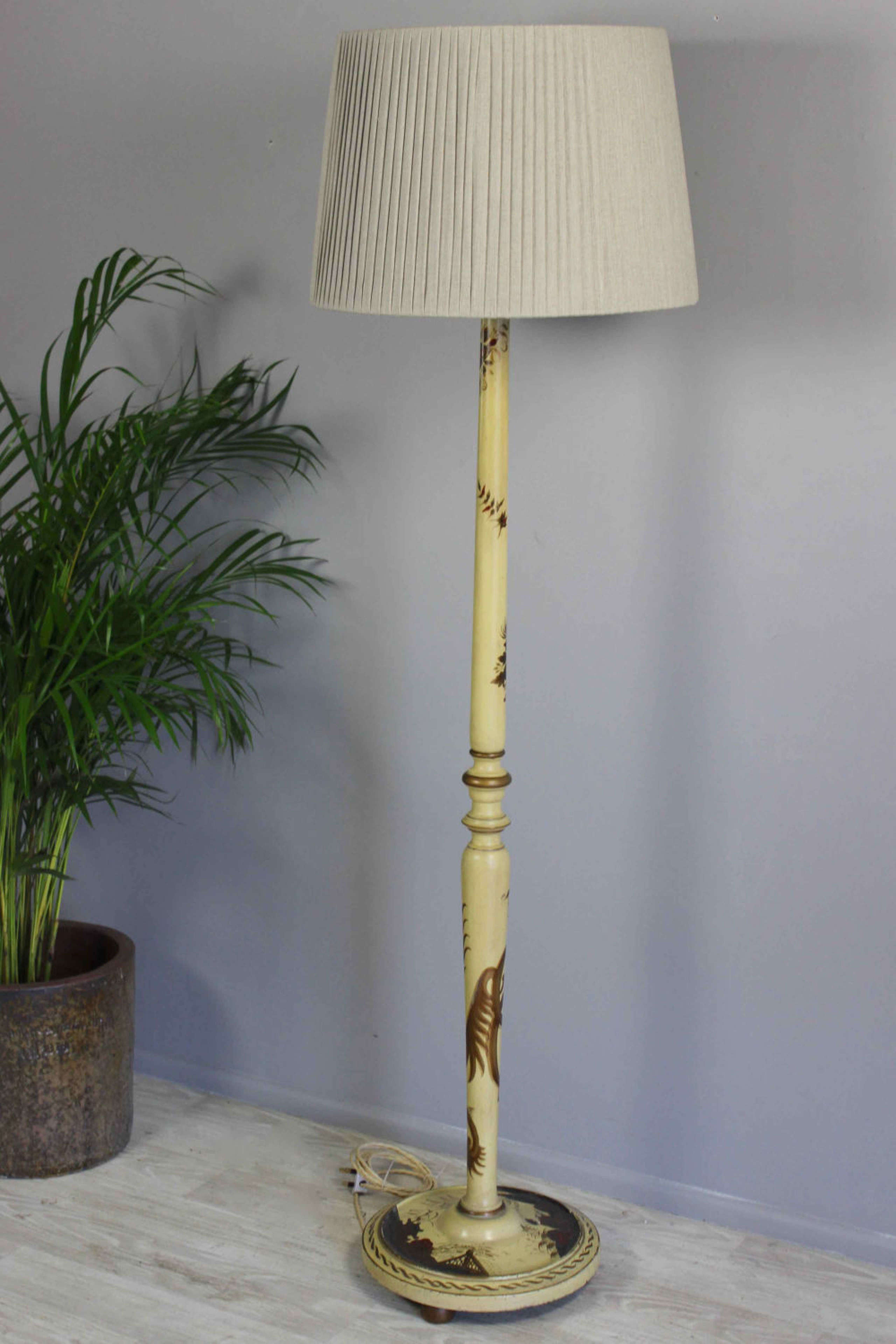 Chinoiserie  country house floor lamp