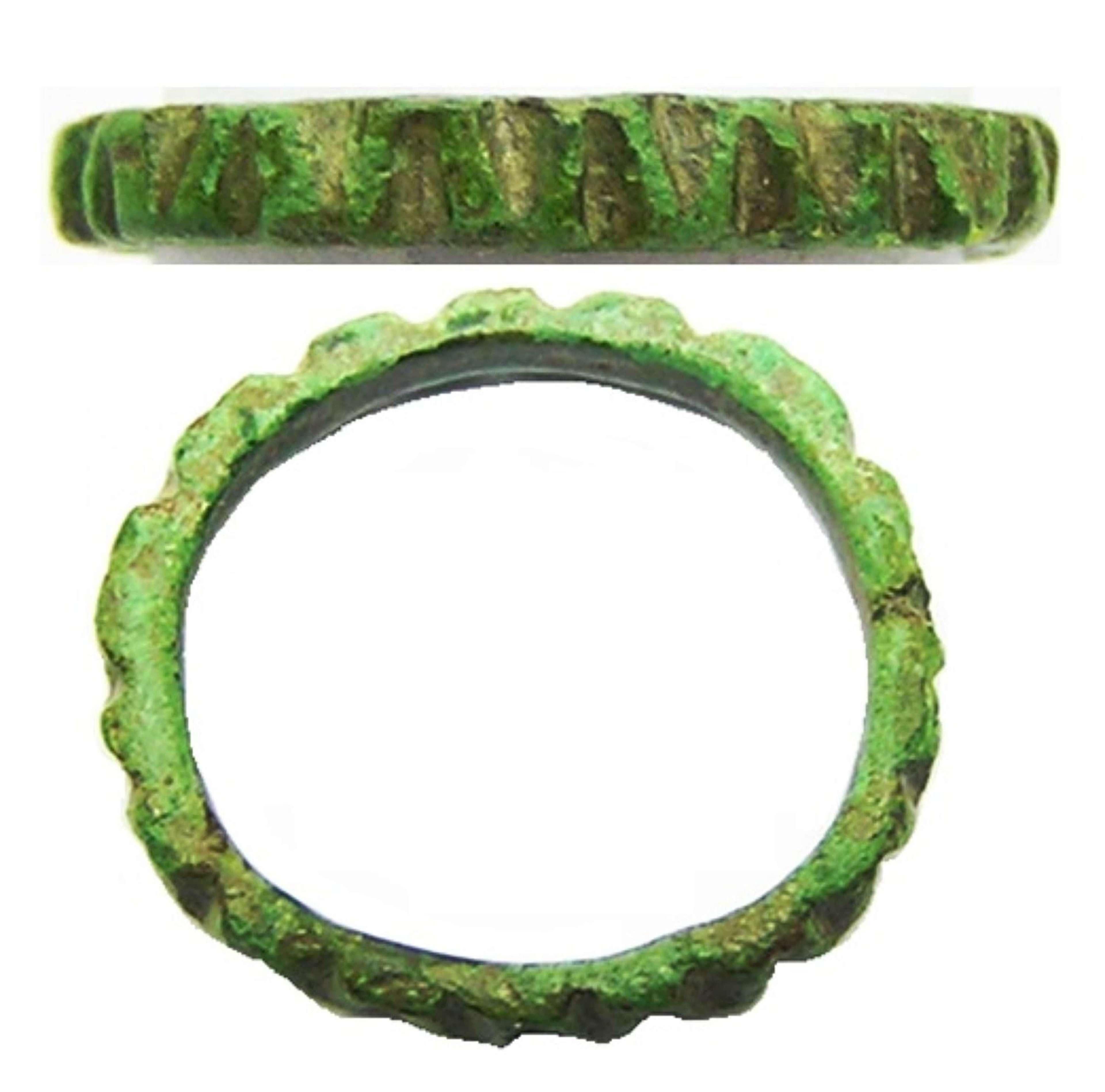 Ancient Roman bronze finger ring 'angular wave' design