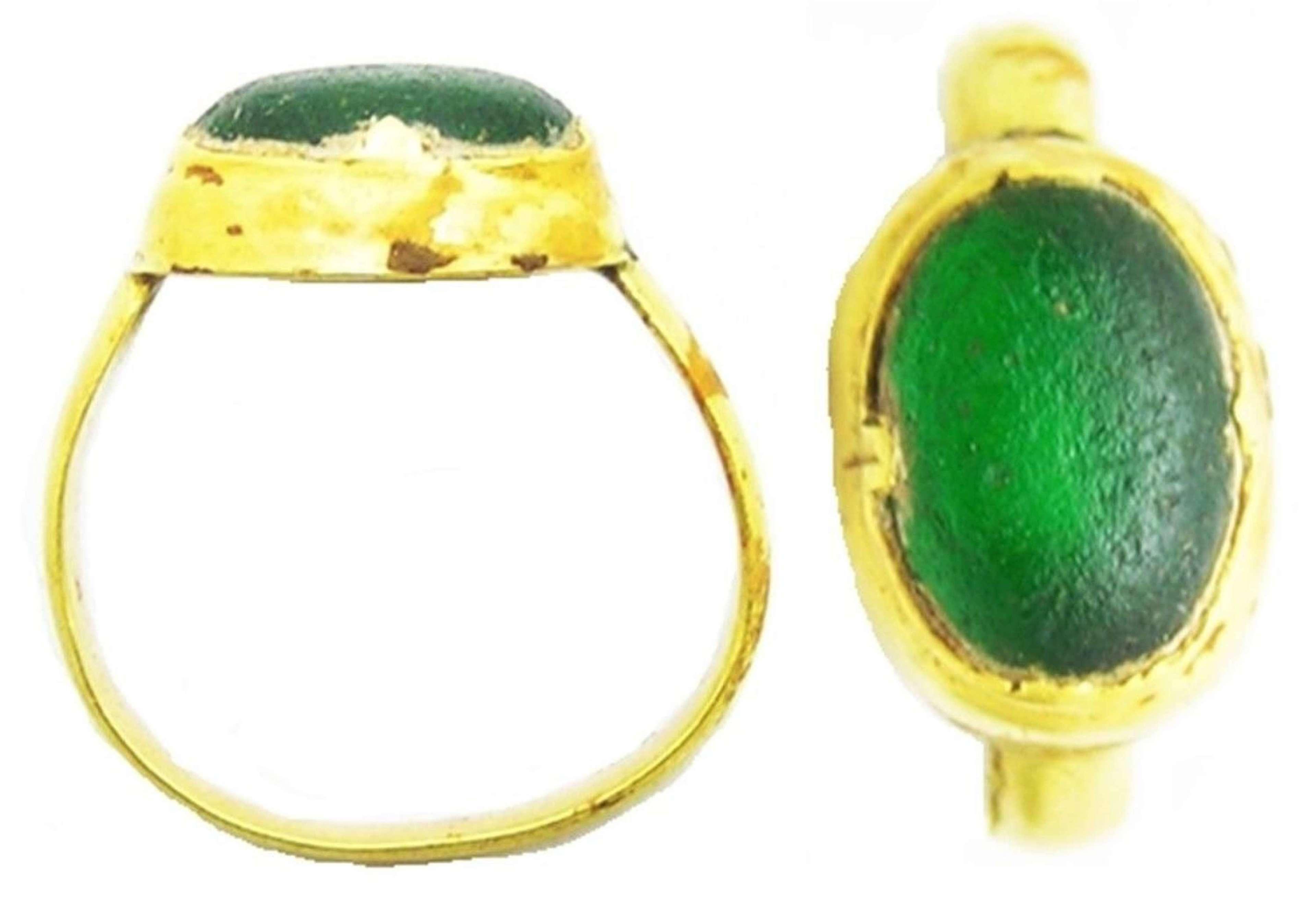 Medieval Spanish Gold Finger Ring Emerald Paste
