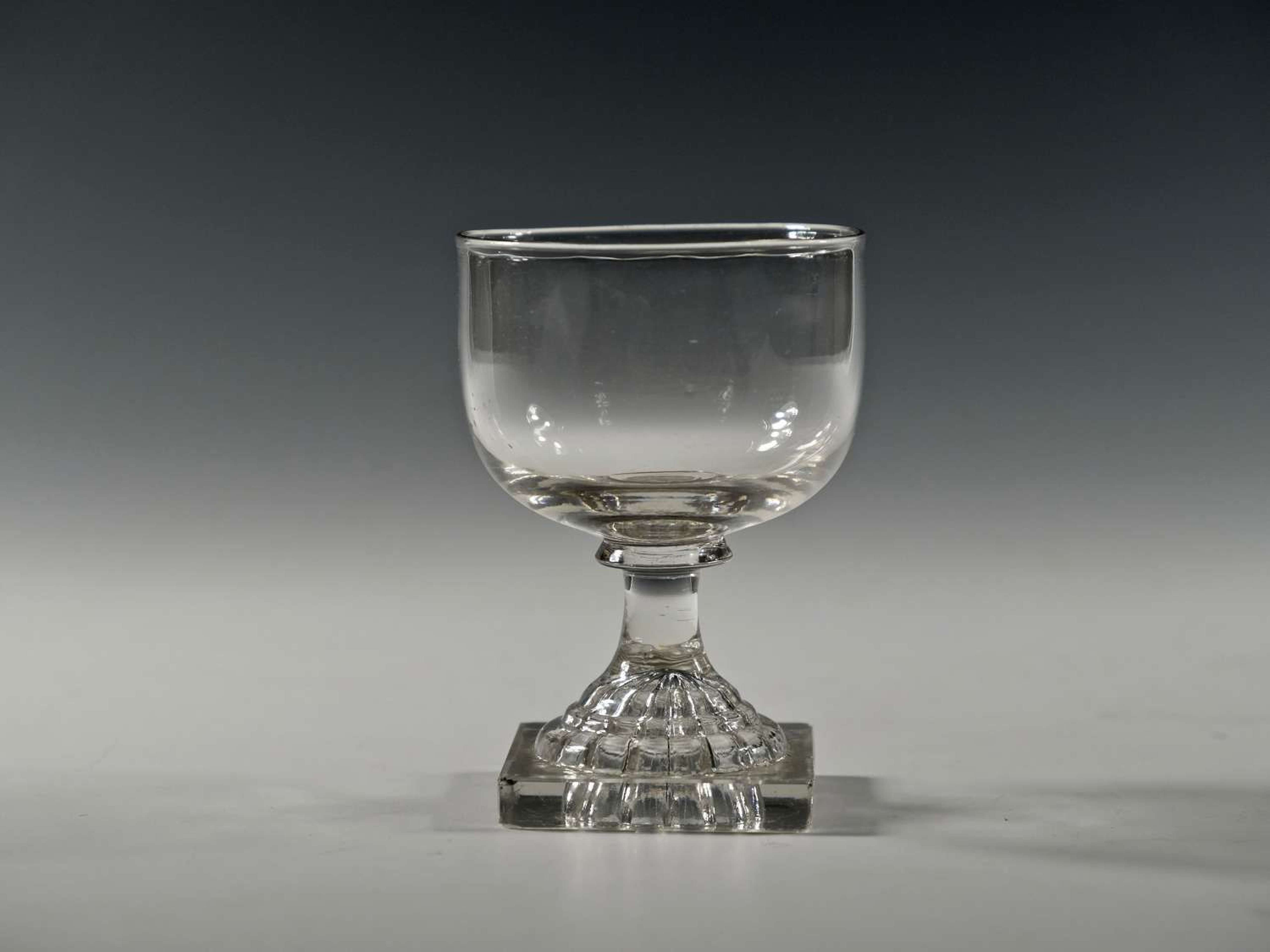 Small lemon rummer with squeezer foot English C1810