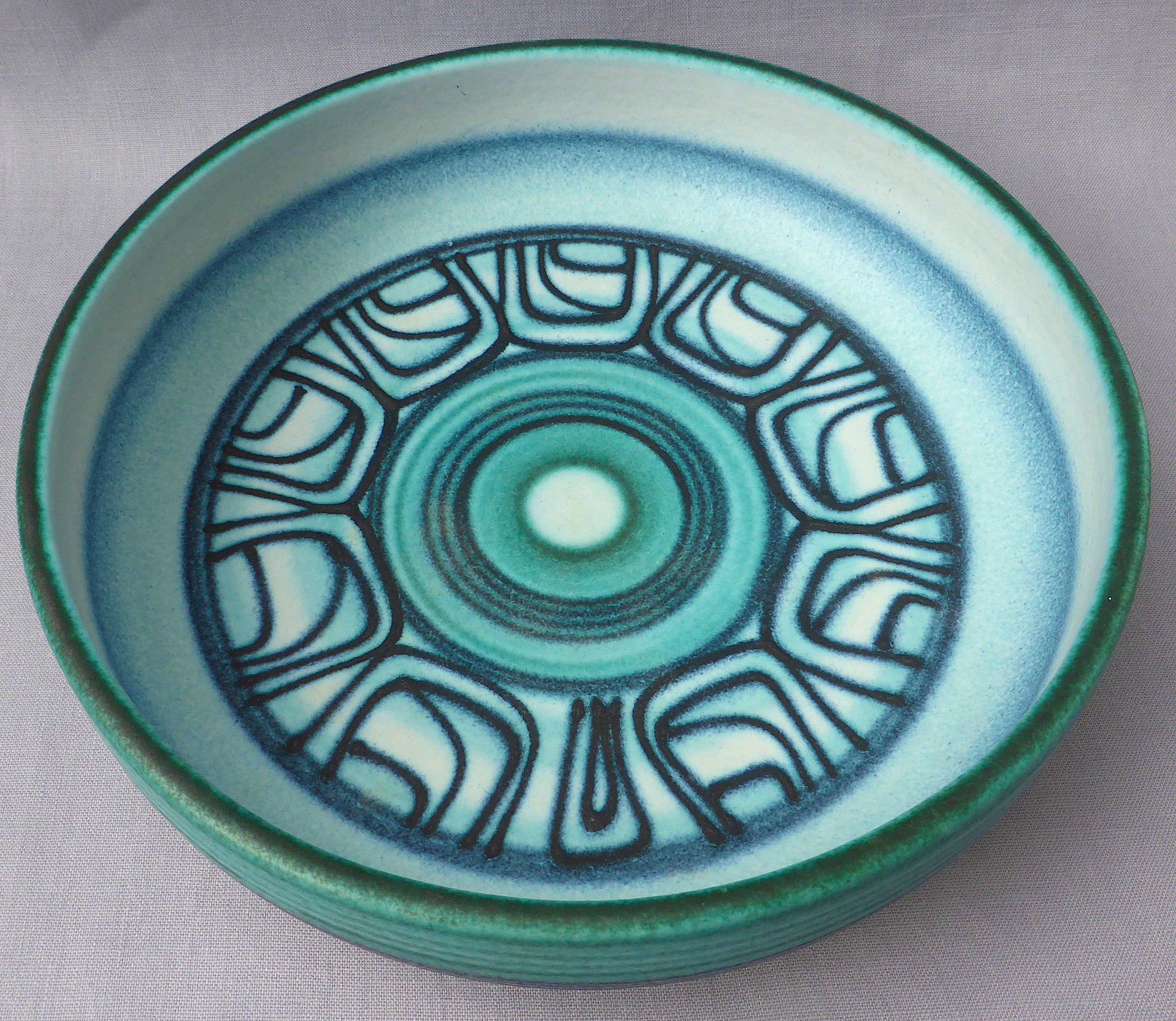 Spanish art pottery bowl by Jordi Serra Moragas