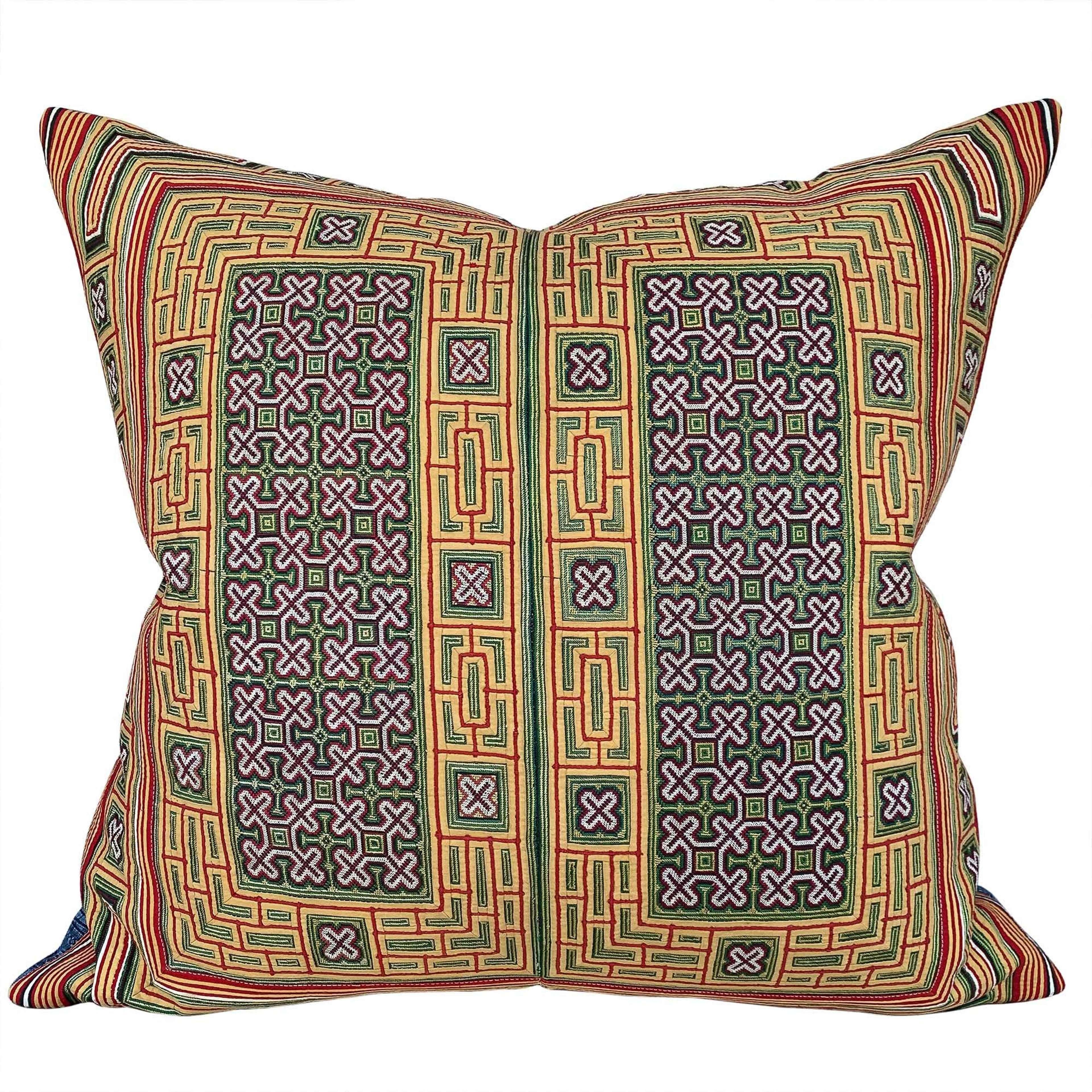 Miao collar cushion