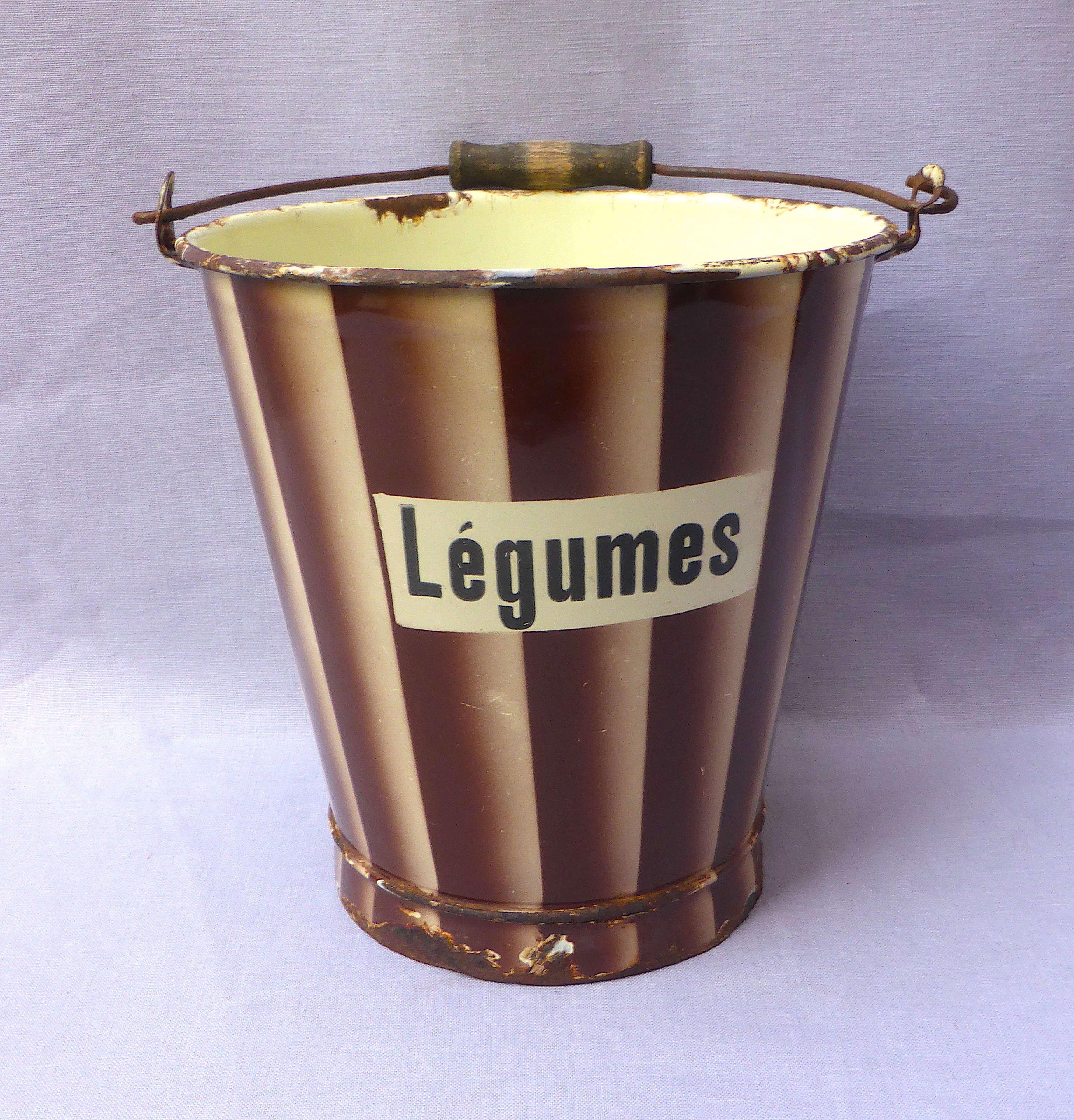 1930s French enamelware légumes bucket