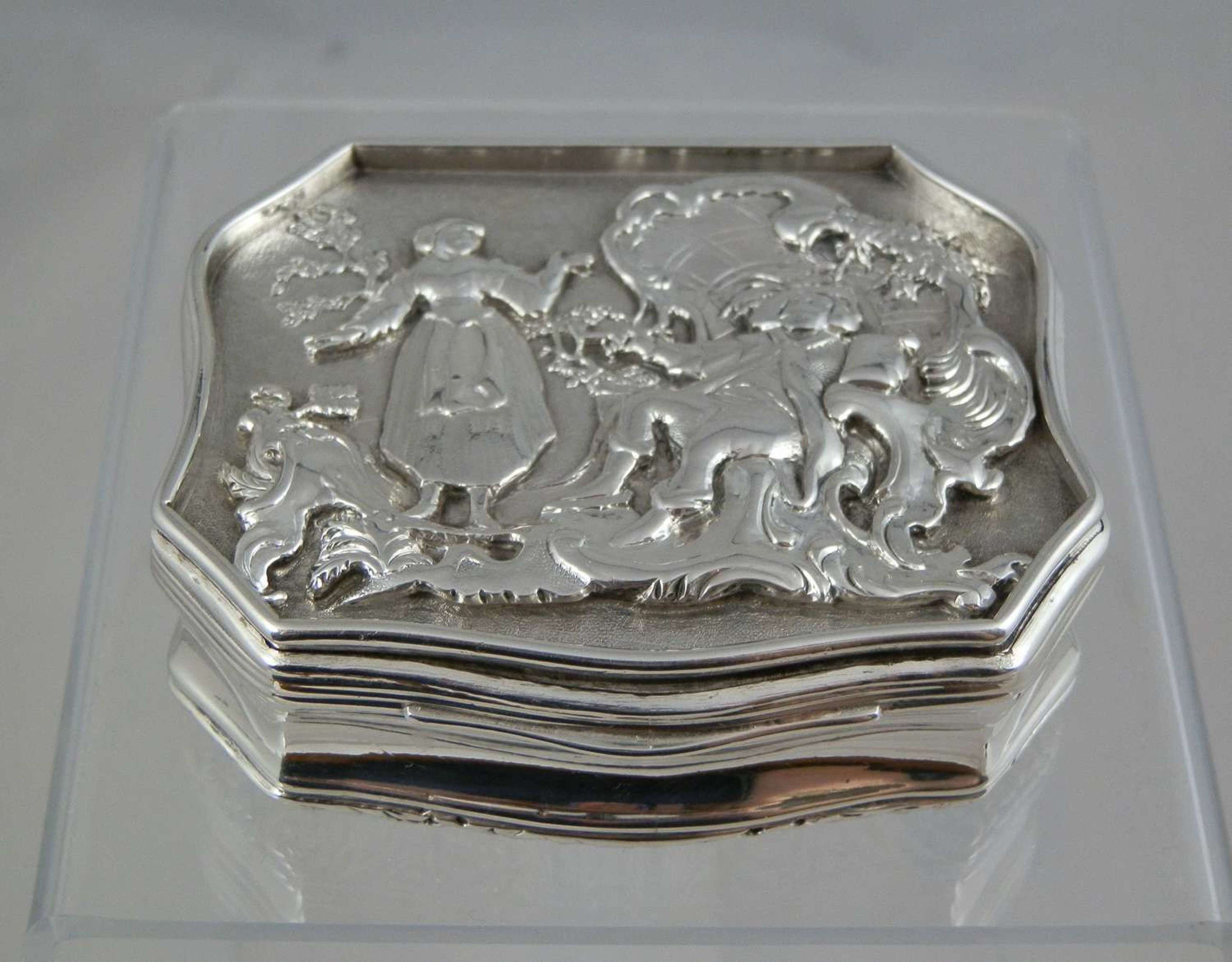 A George IV silver table snuff box by Joseph Wilmore