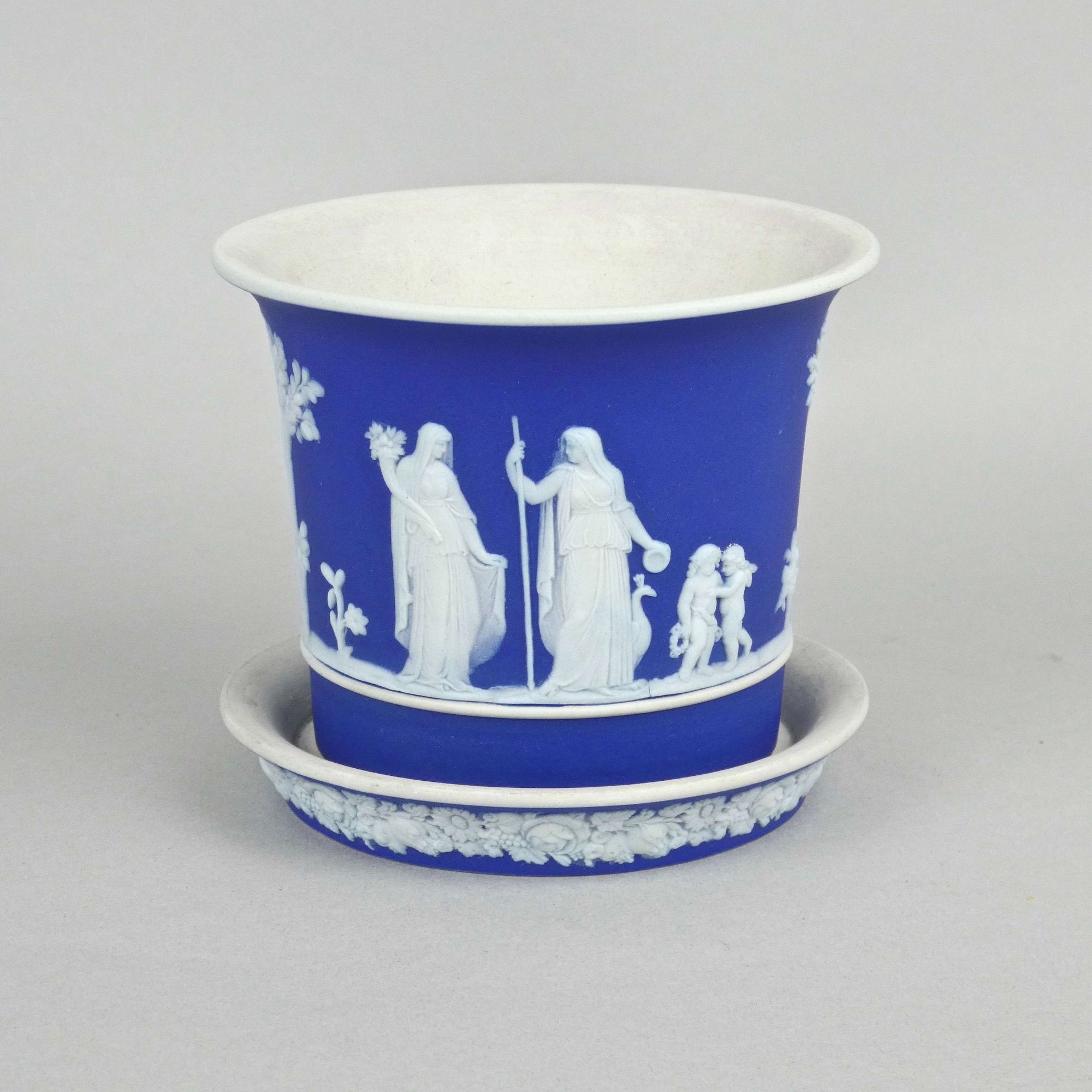 Small, Wedgwood cache pot and stand