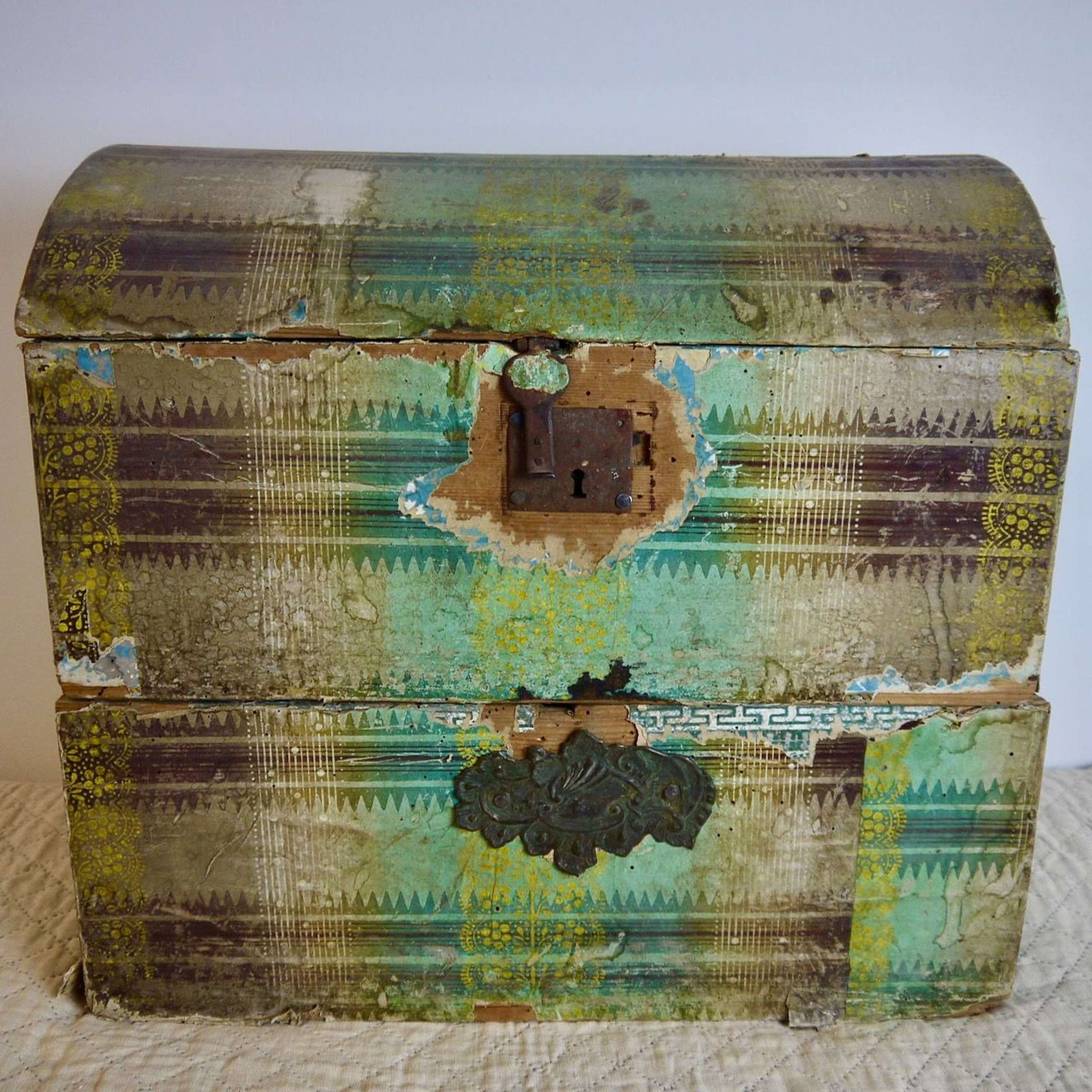 Papier Peinte Mariage Box French 19th Century