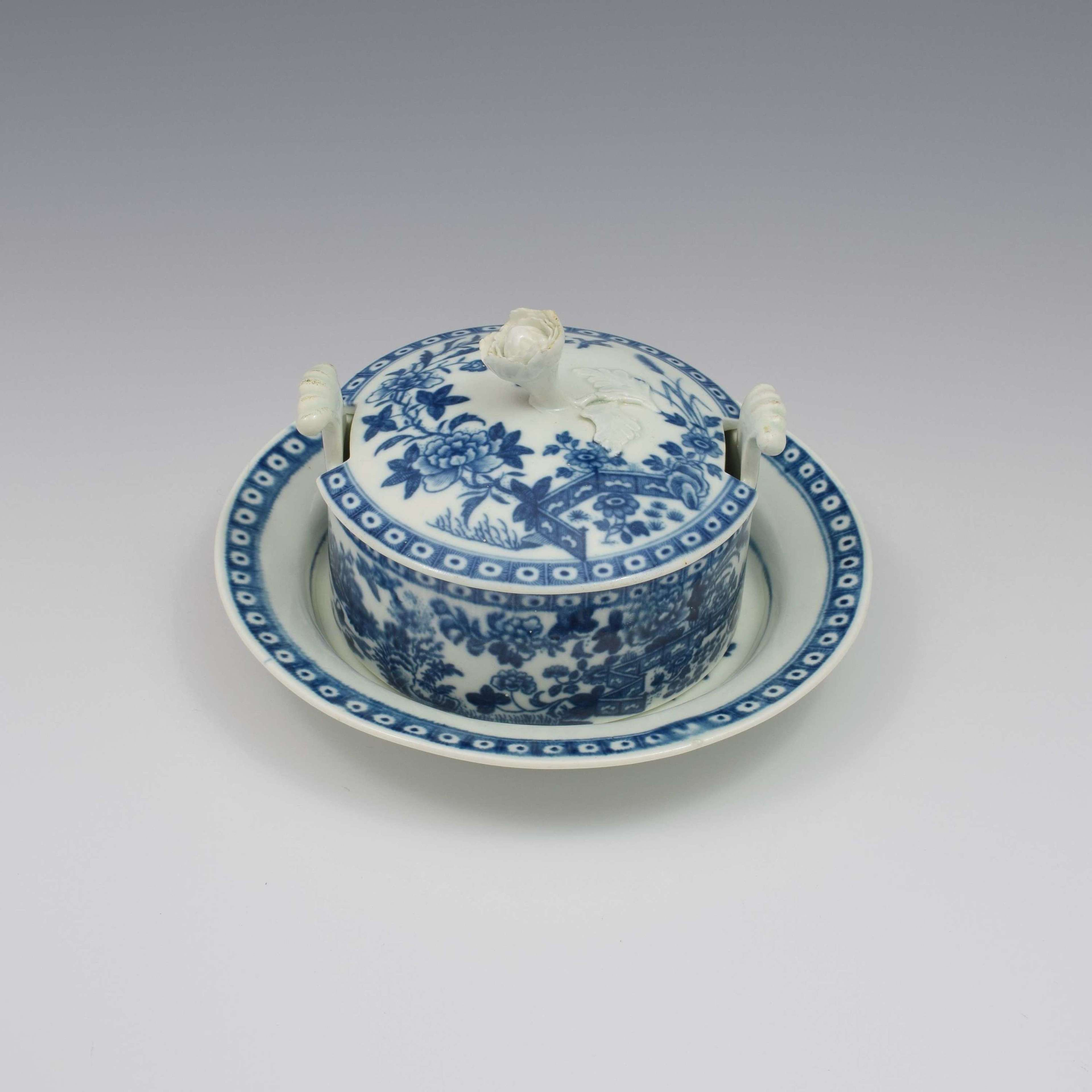 First Period Worcester Porcelain Butter Tub & Stand Fence Pattern
