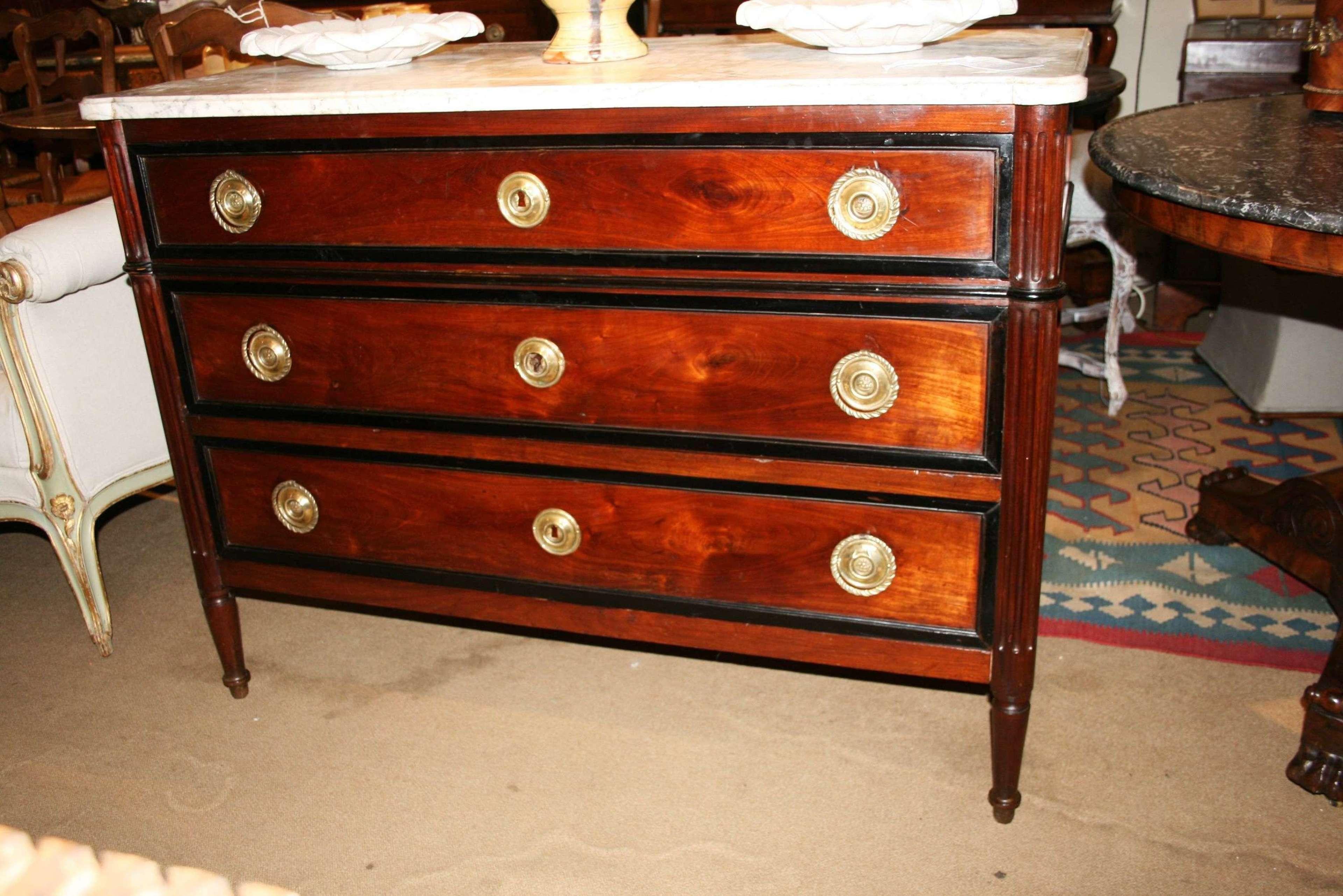 18th century mahogany commode