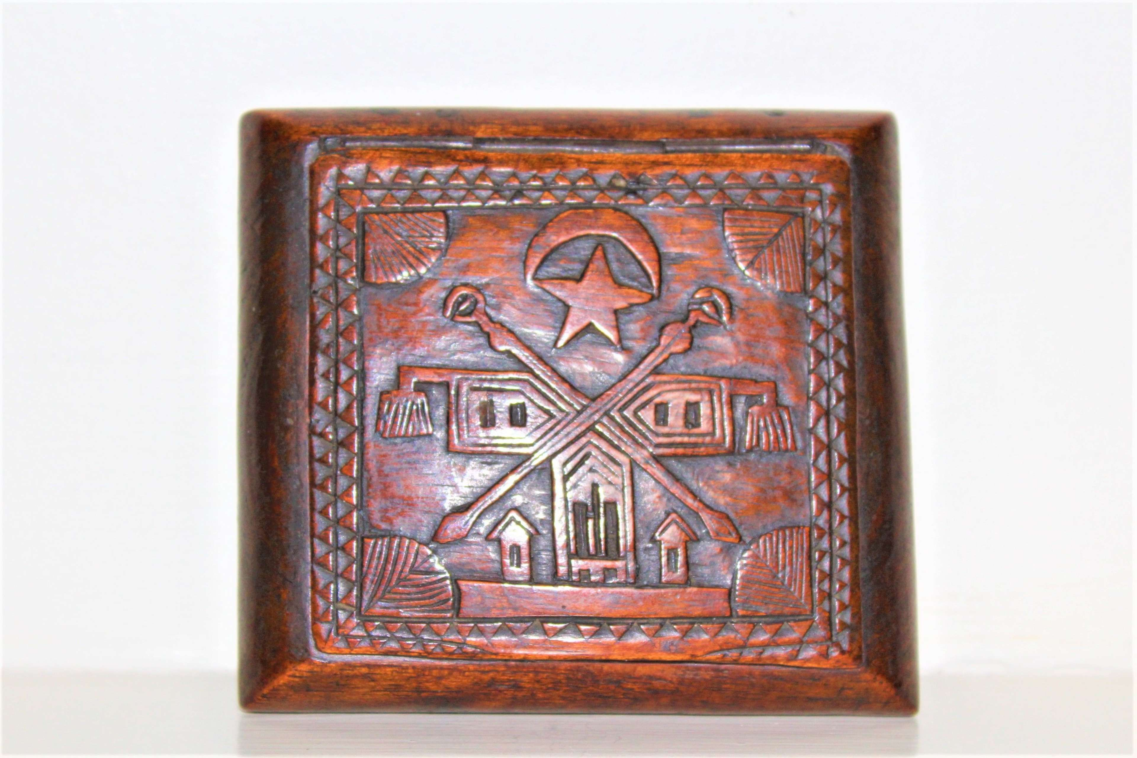 Carved wood snuff box The Independent Order of The Odd Fellows
