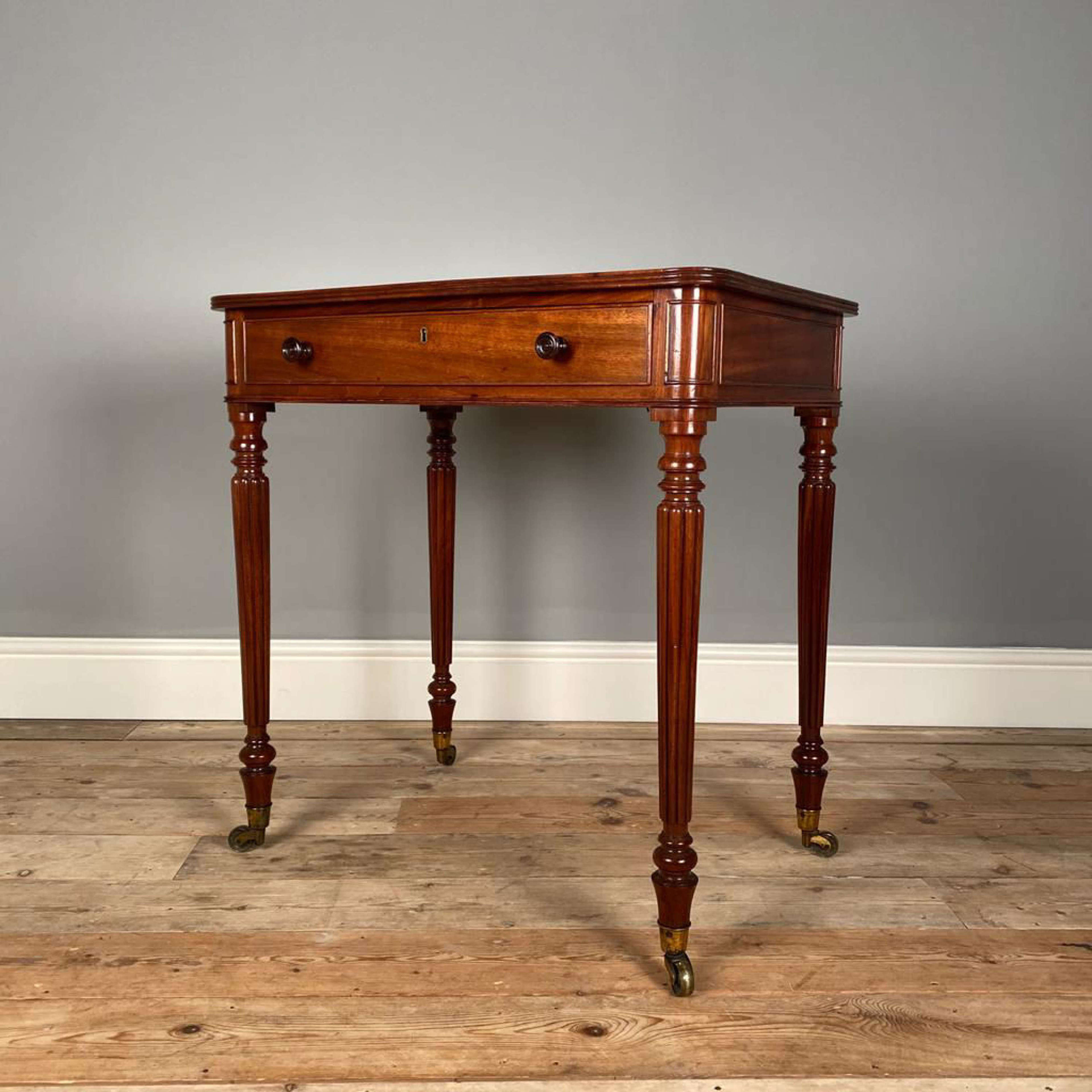 Fine Gillows Regency Mahogany Chamber Table