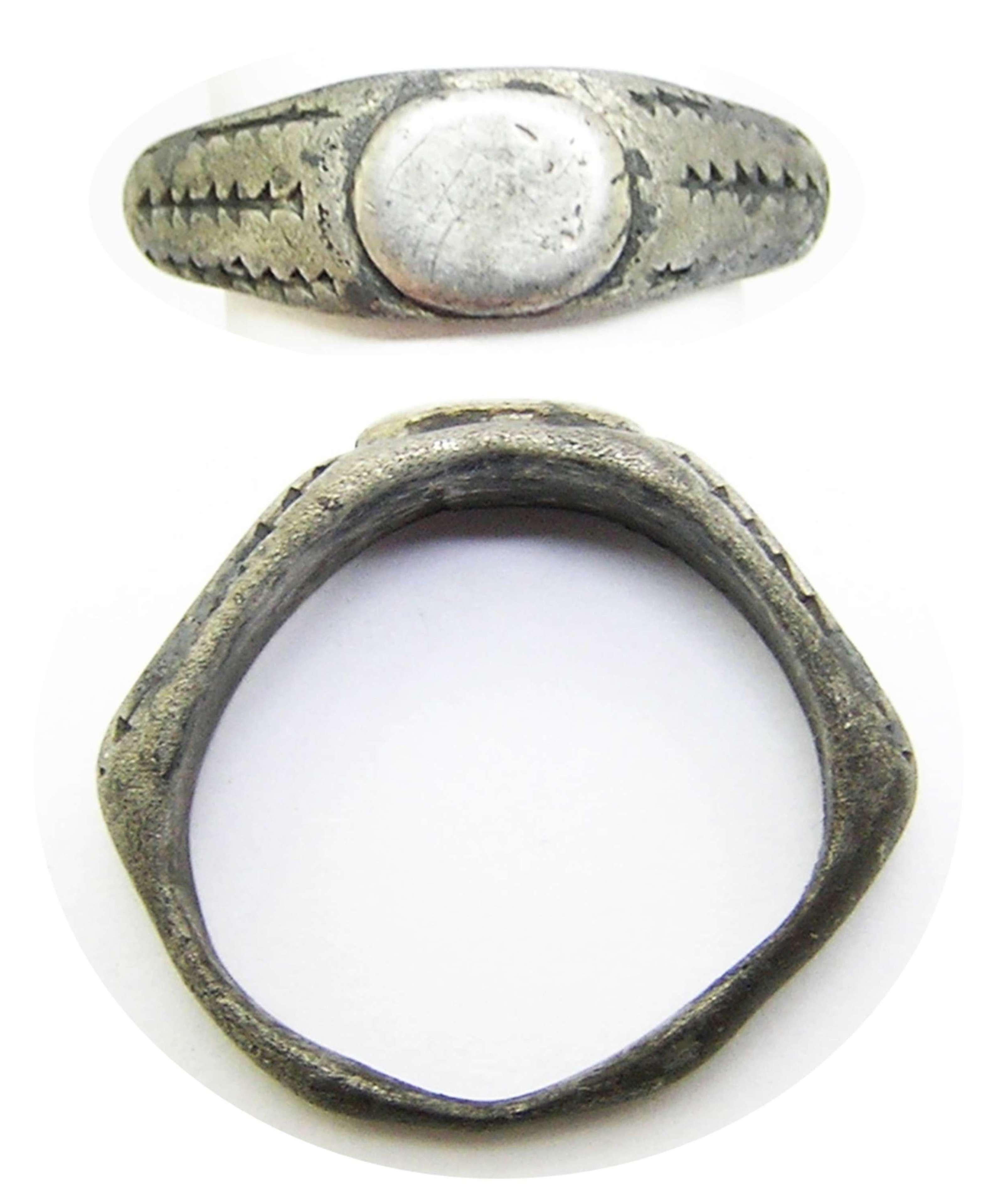 Ancient Roman silver ring Henig Type V
