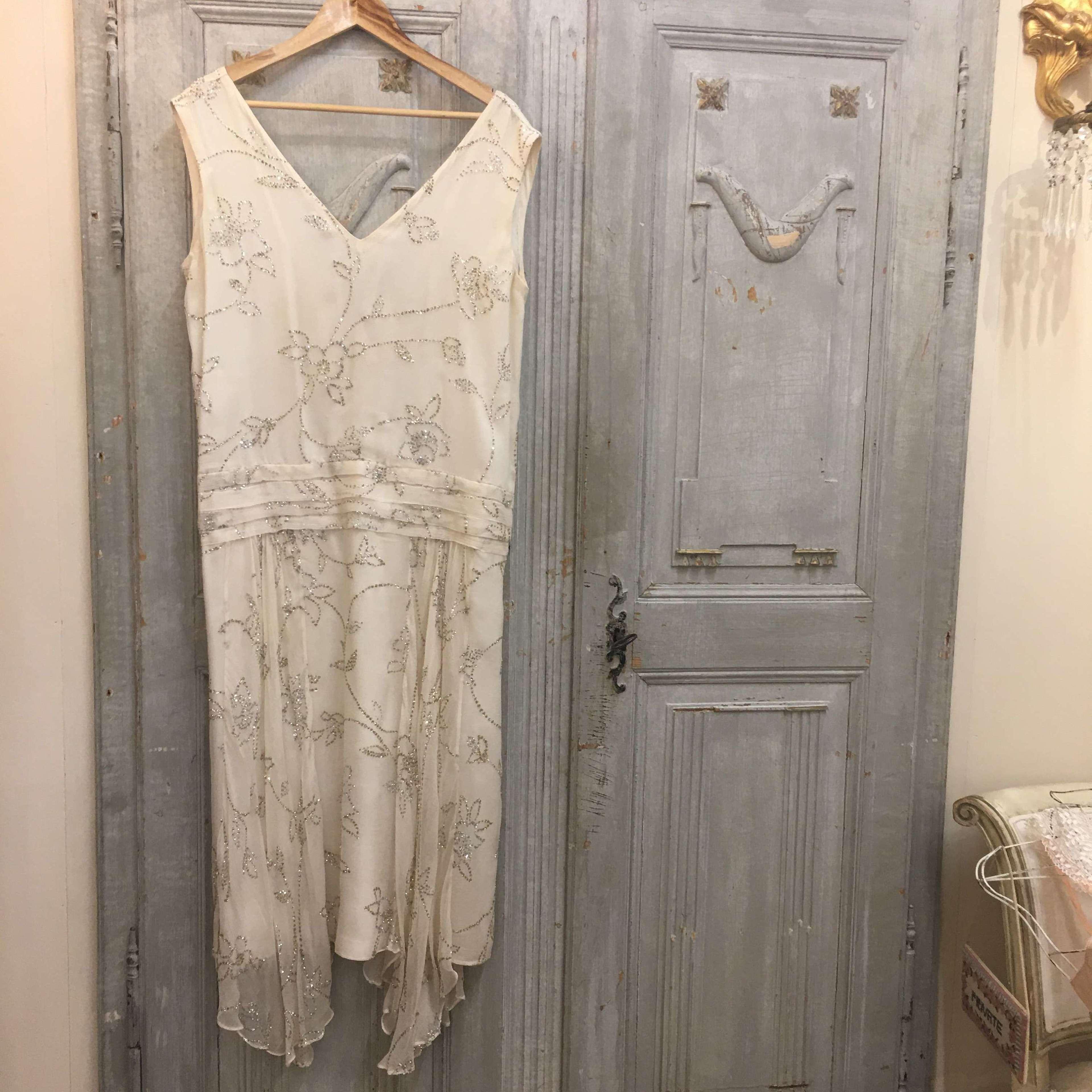 1980s cream silk Emmanuel evening dress size 16