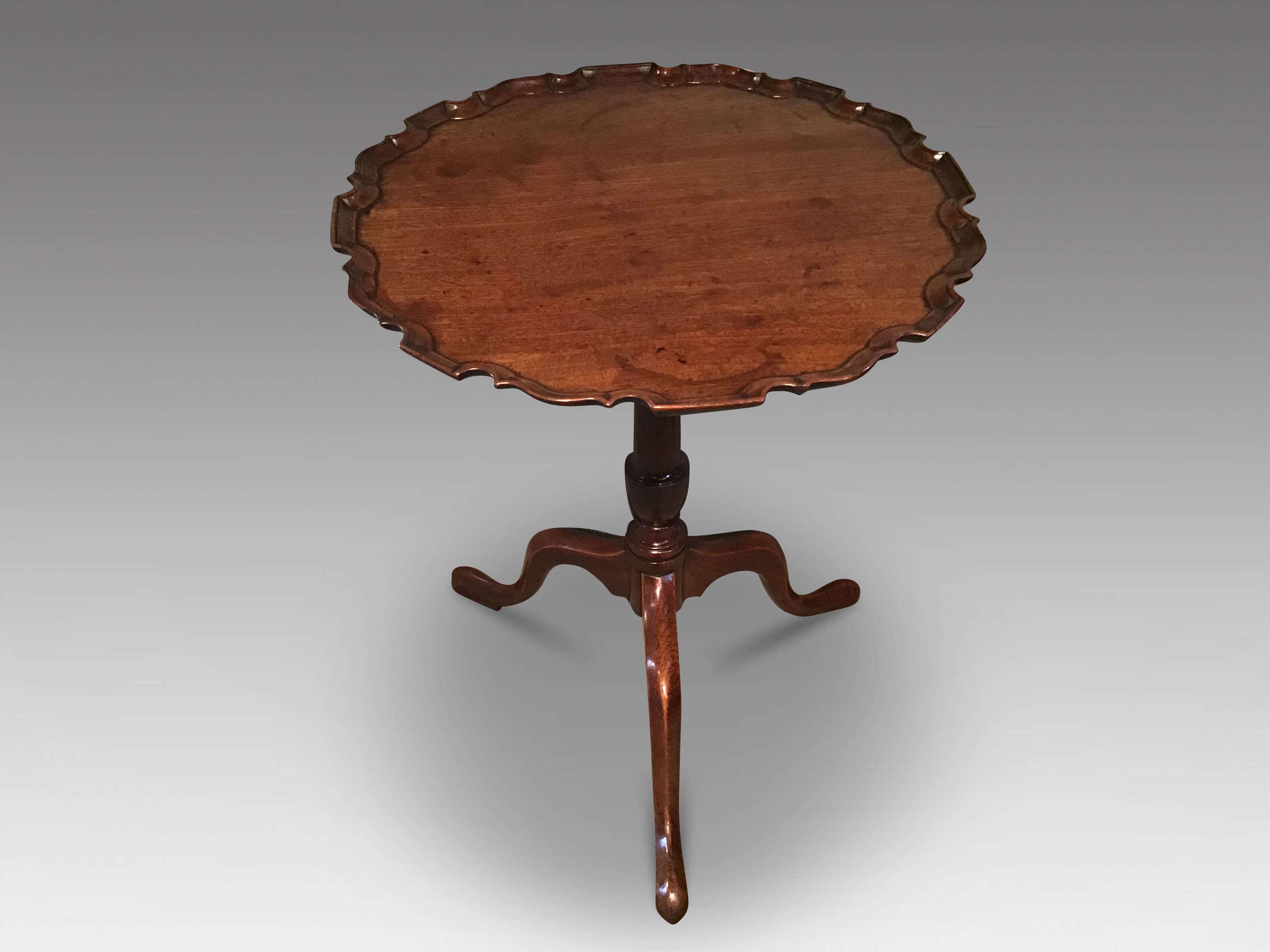 Georgian piecrust tripod table