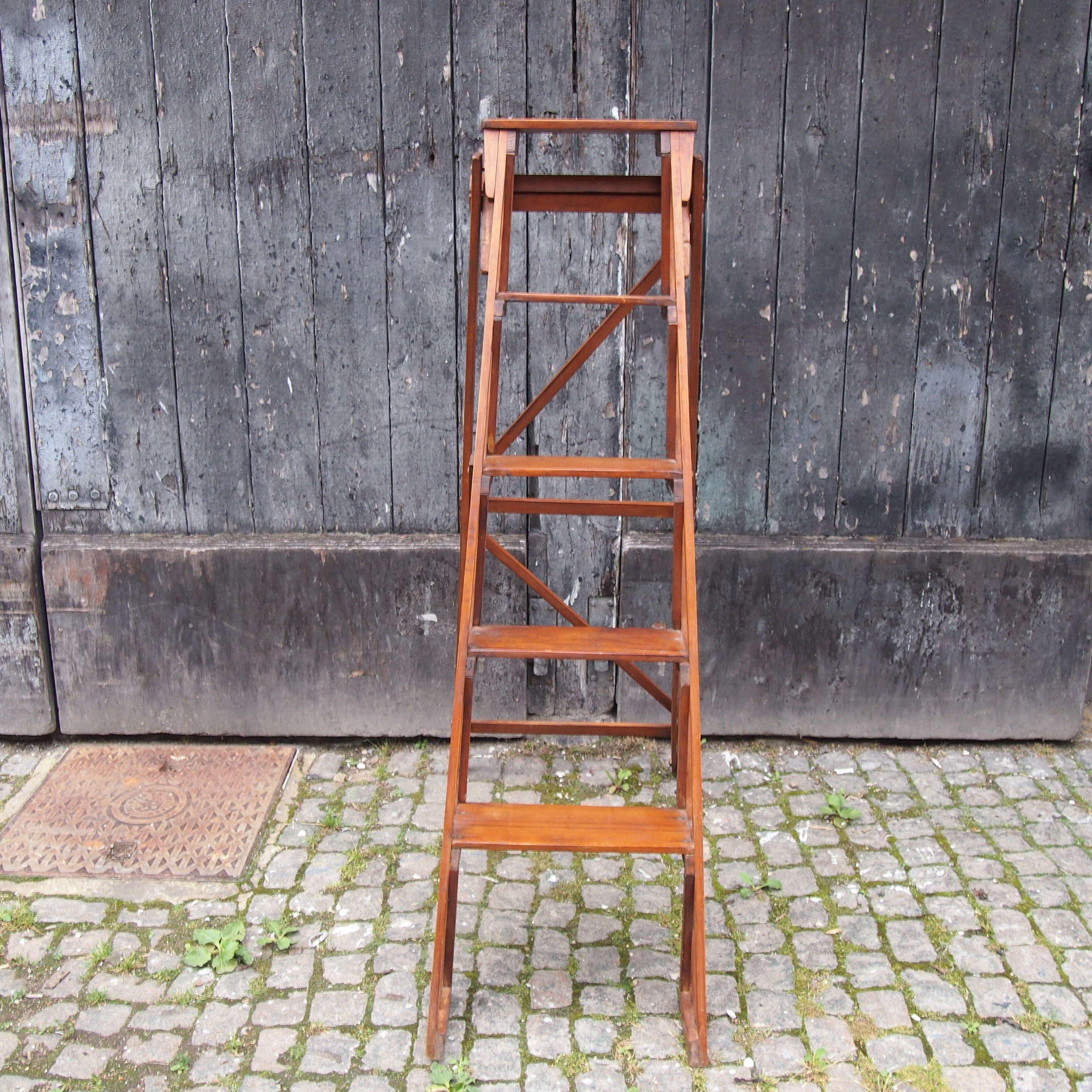 Vintage Wooden Library Step Ladder W8680