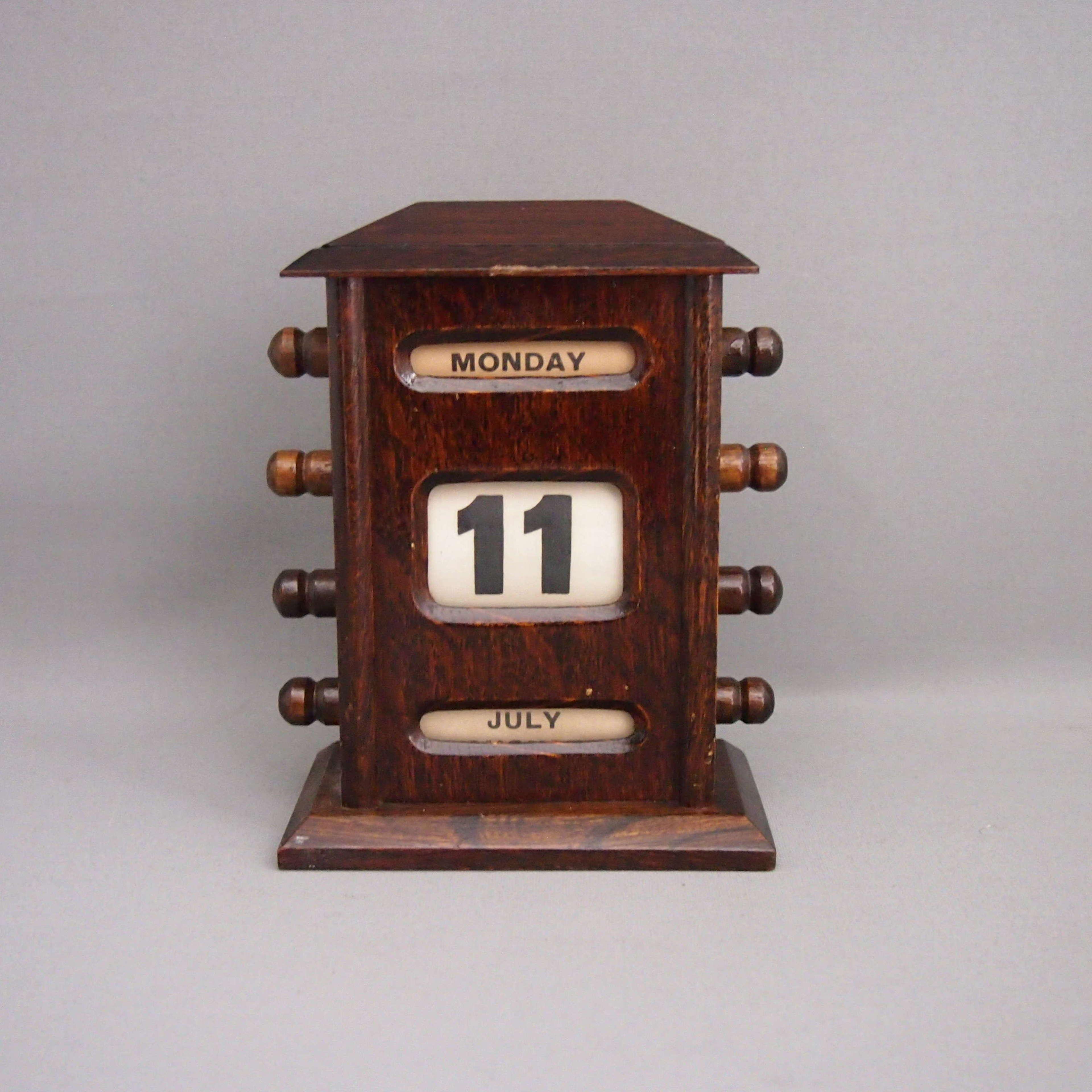 Oak Perpetual Desk Calendar W8682