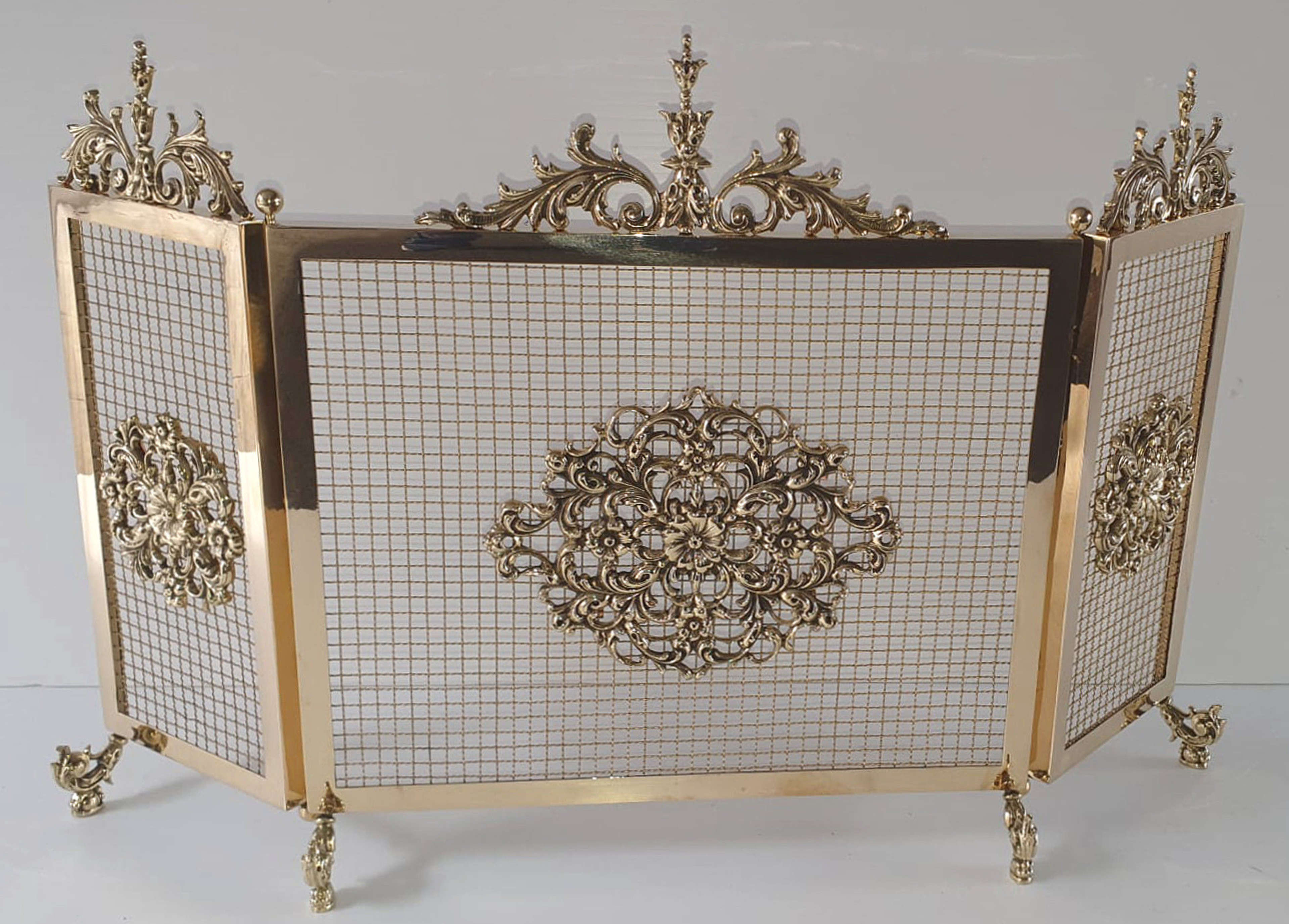 Rare Top Quality 19th Century Polished Brass Three Panel Fire Screen