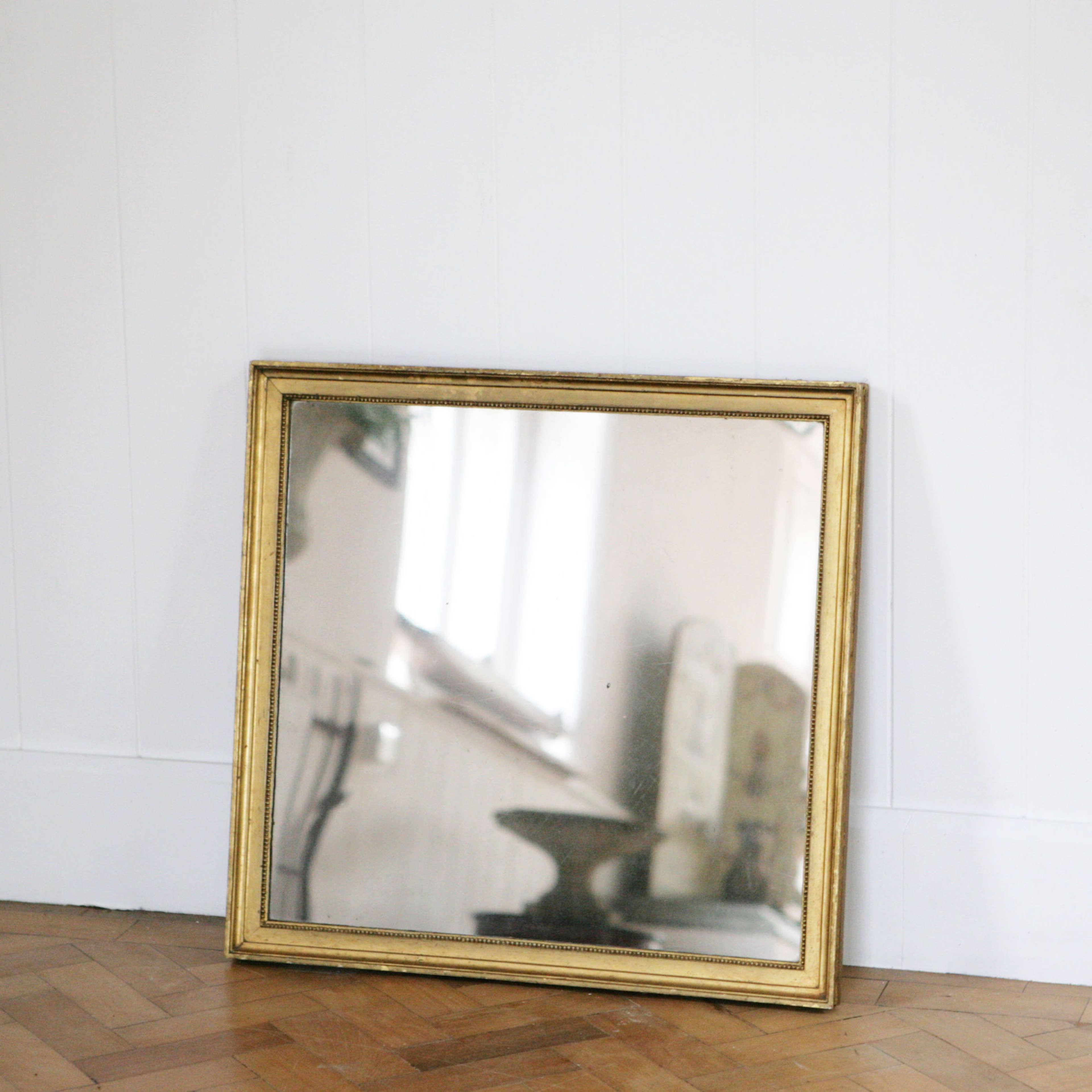 Wonderful English C19th gilt mirror.