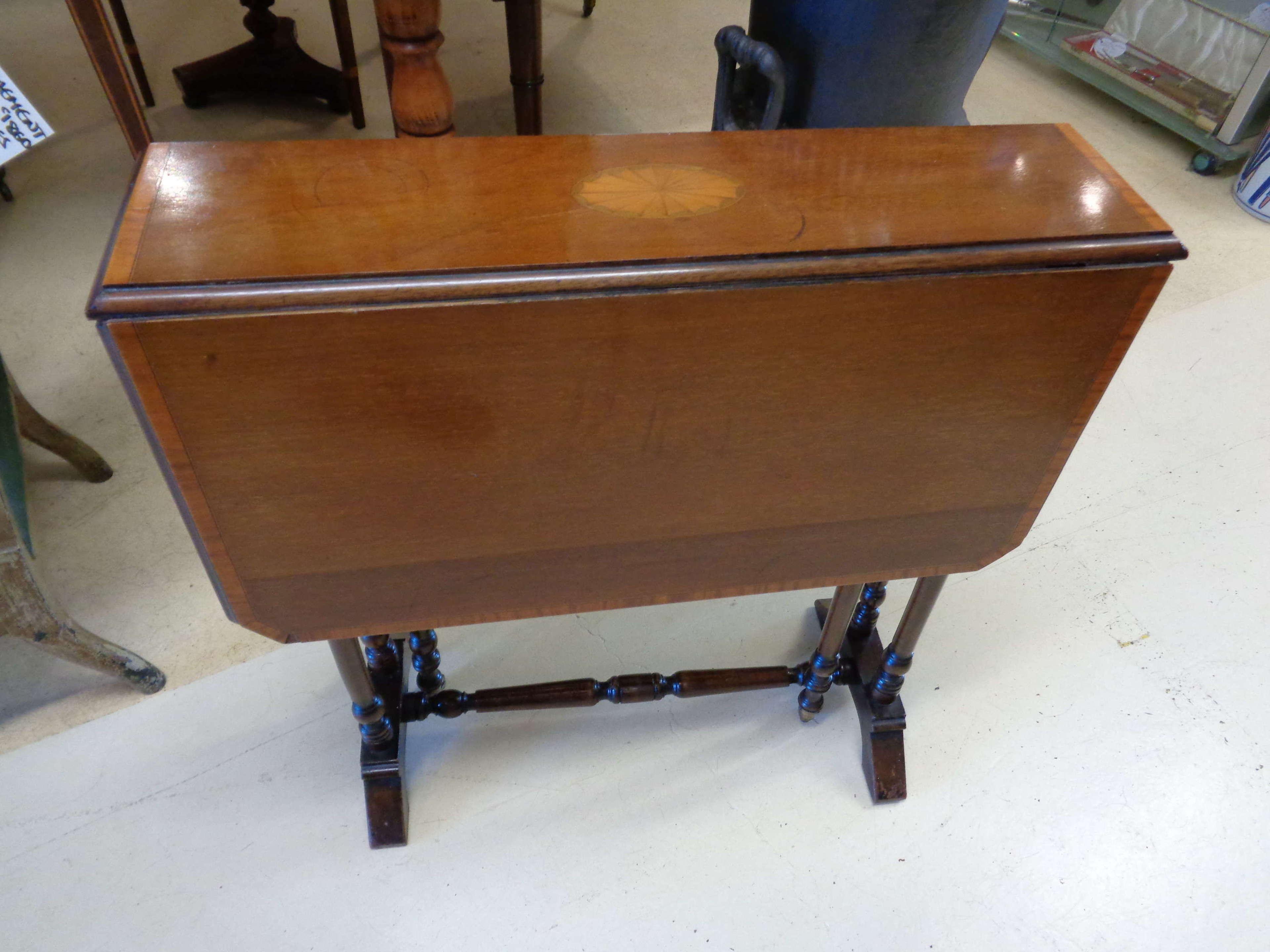 Edwardian Mahogany & Walnut Inlaid Sutherland Table