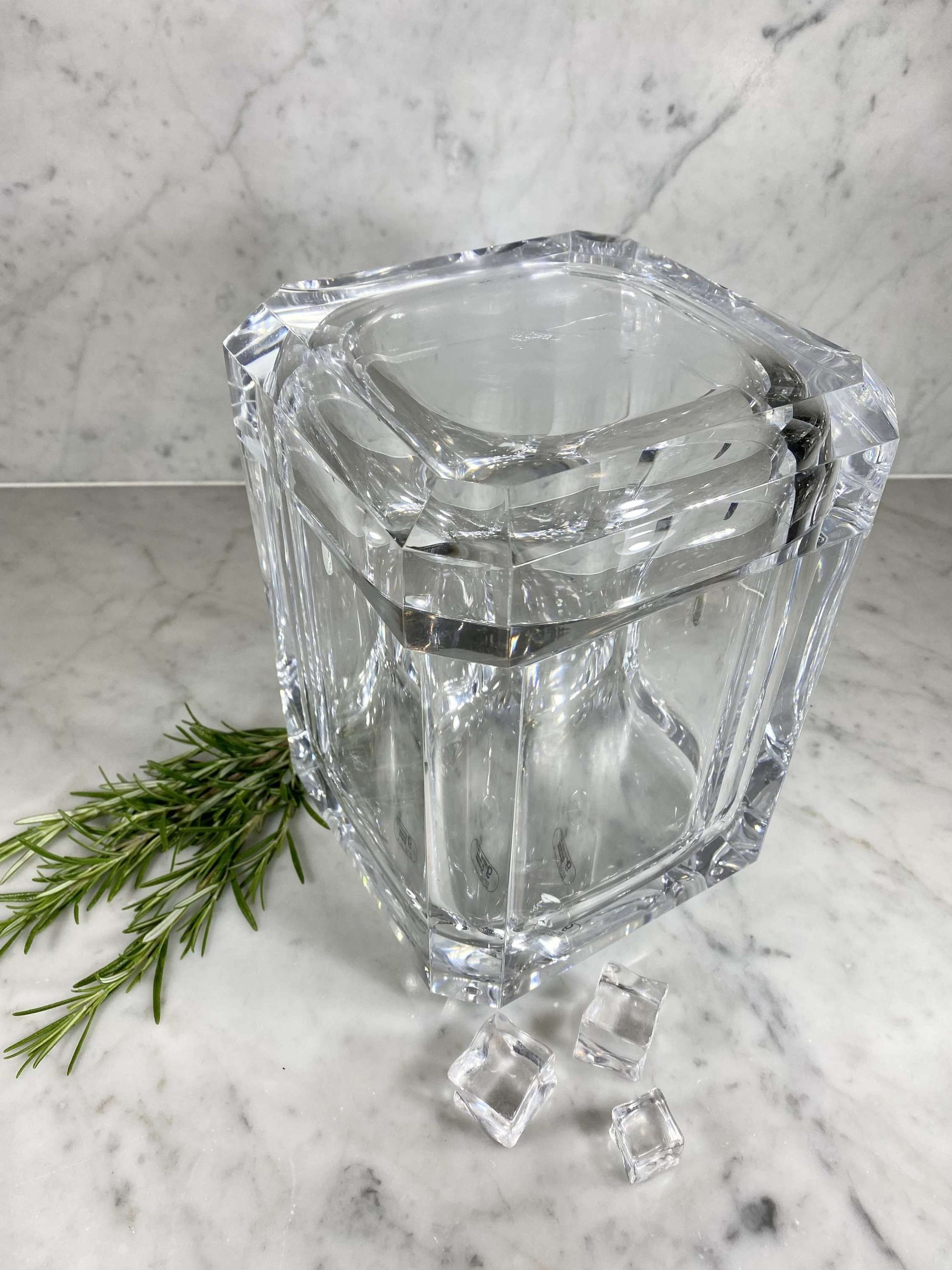 Large lucite swivel lid ice bucket