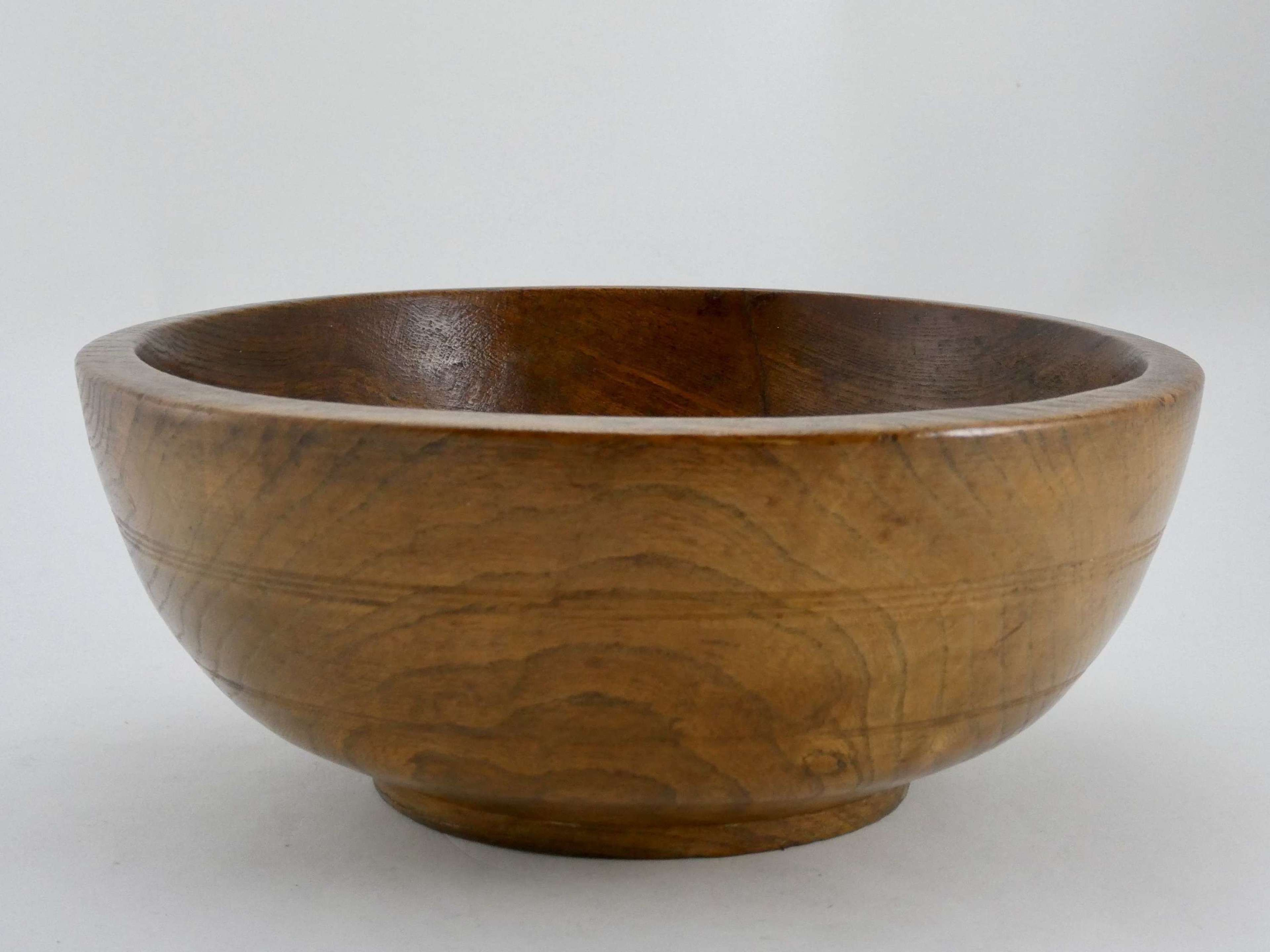 Victorian Elm Dairy Bowl