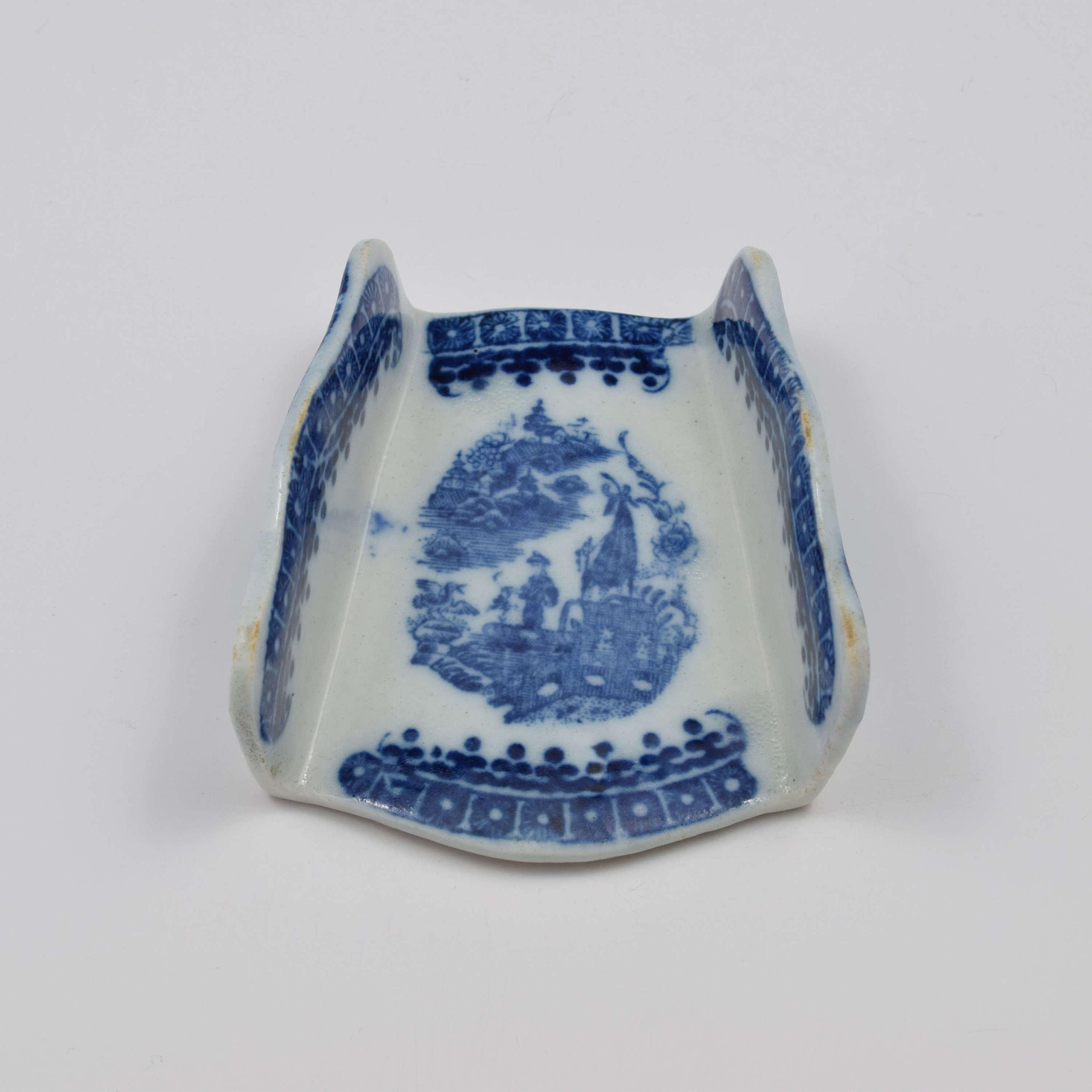 Caughley Porcelain Fisherman Asparagus Server c.1785
