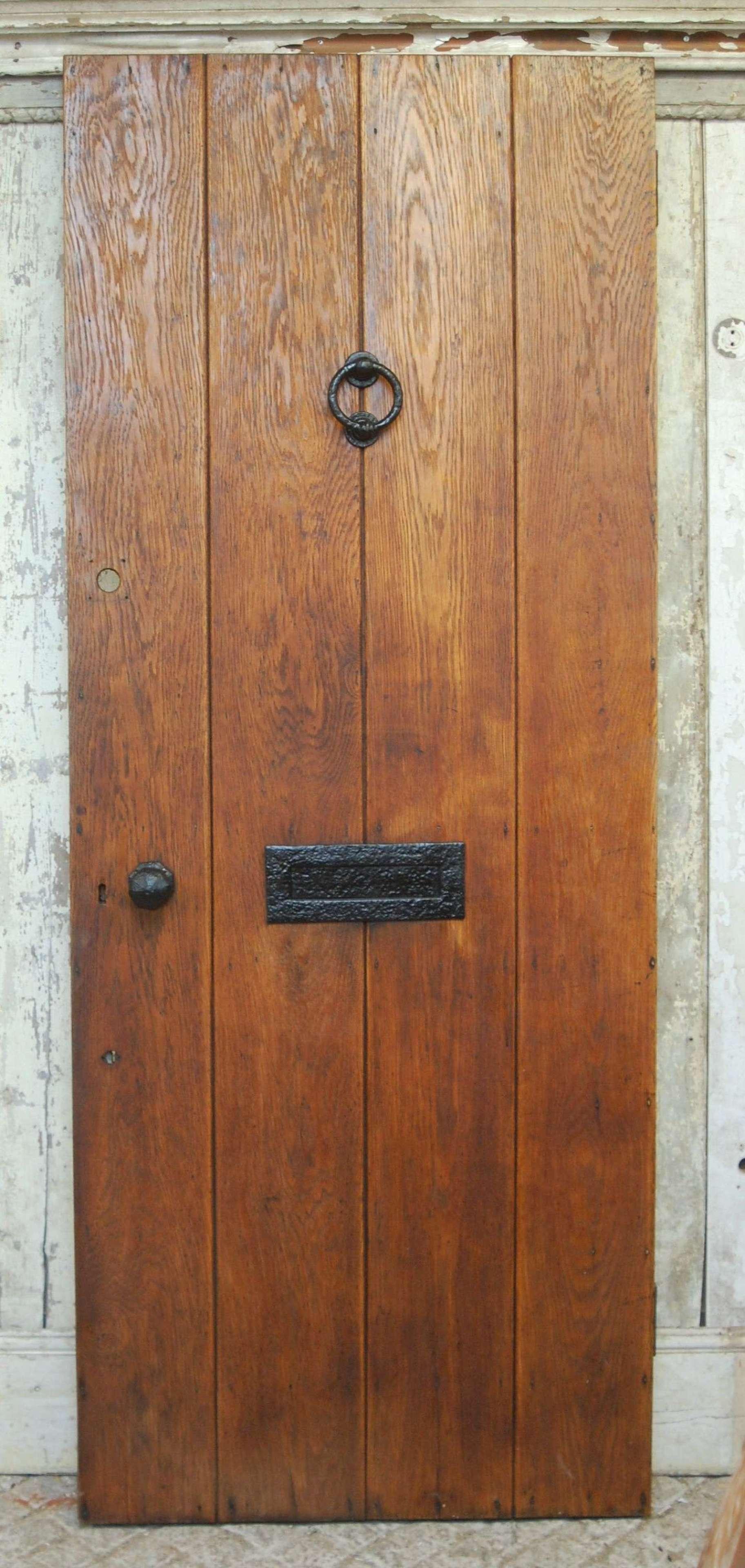 DE0904 A RECLAIMED VICTORIAN OAK COTTAGE DOOR WITH PINE BACK