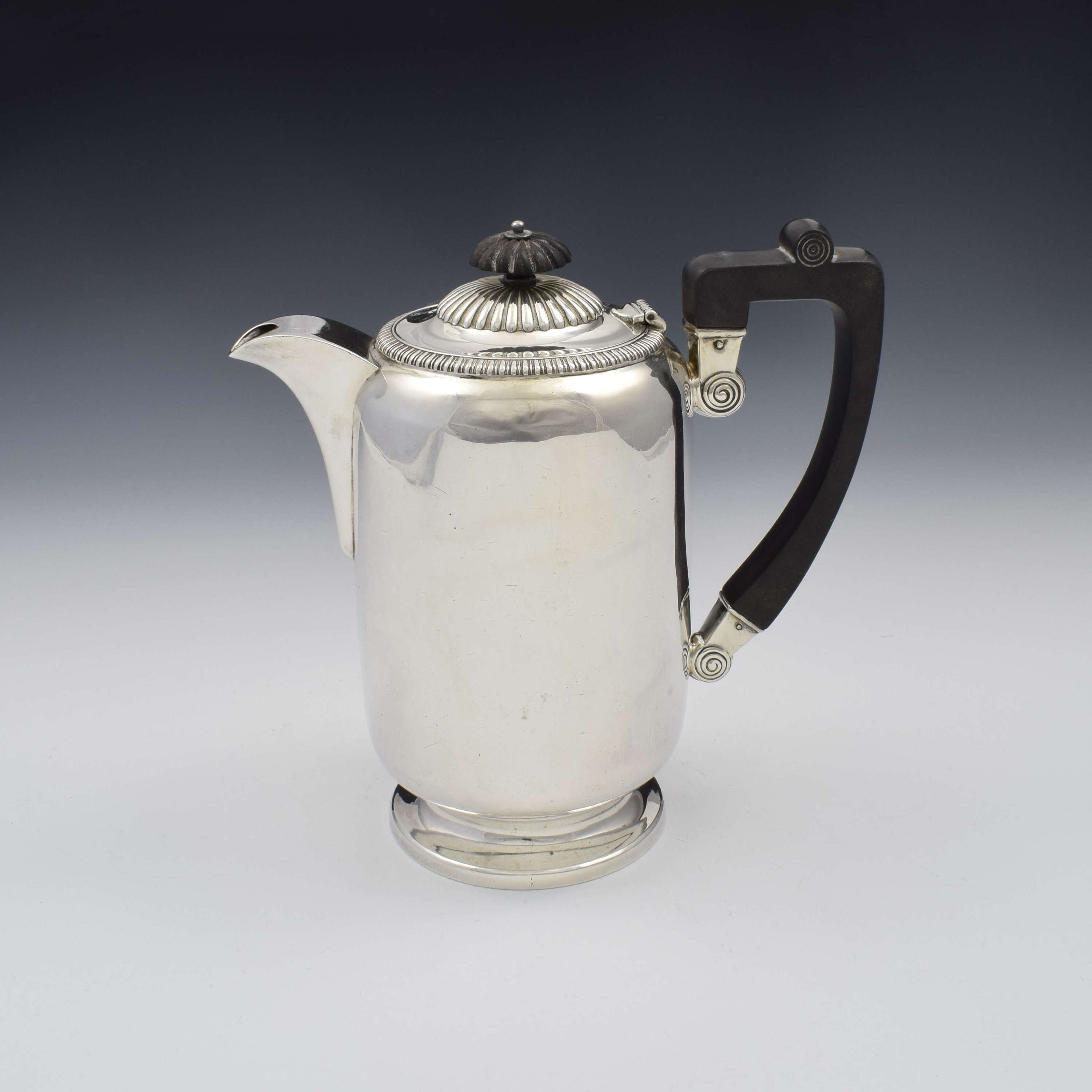 George V Large Silver Hot Water Jug / Coffee Pot 1913