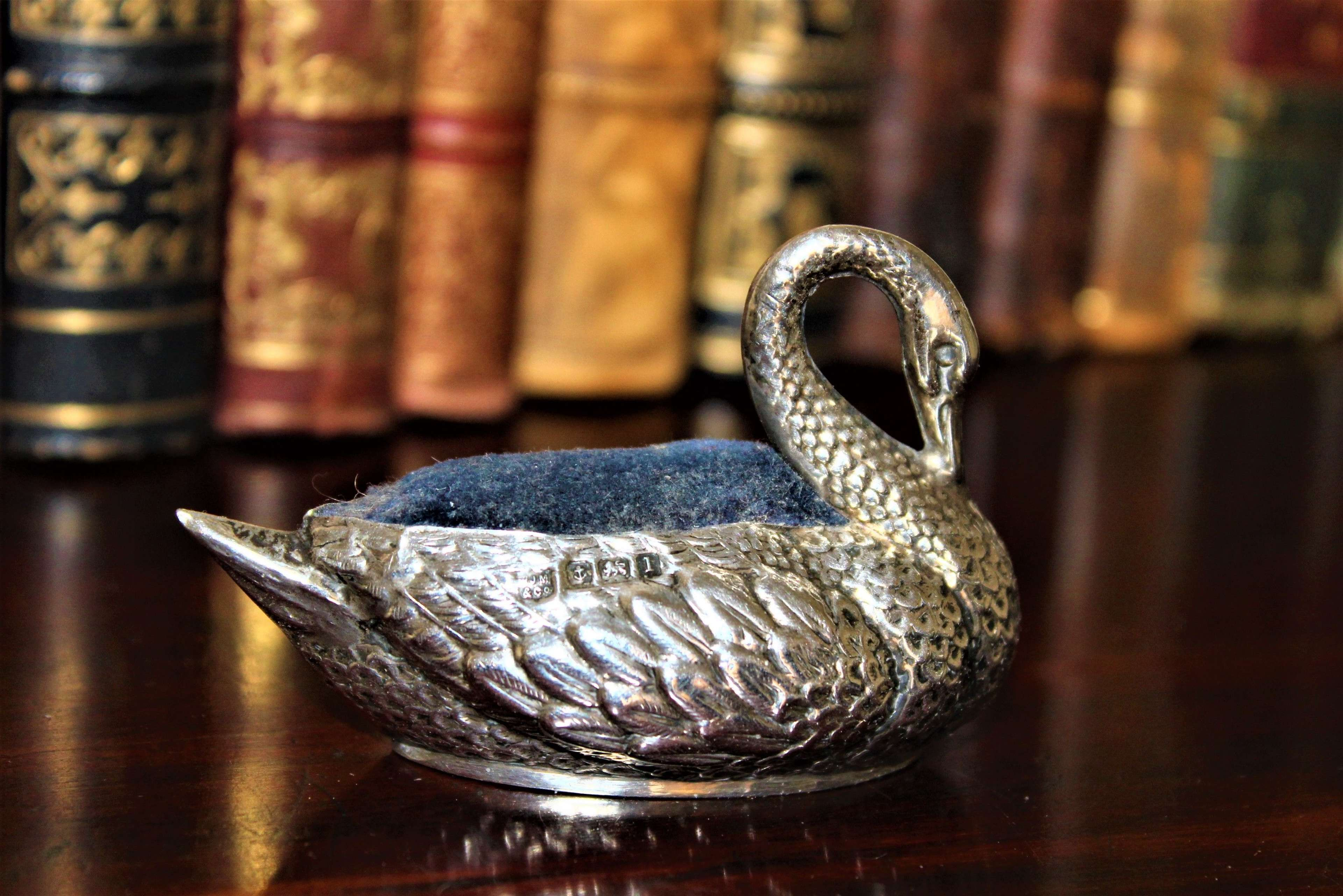 A charming English silver pin cushion in the form of a swan Circa 1910