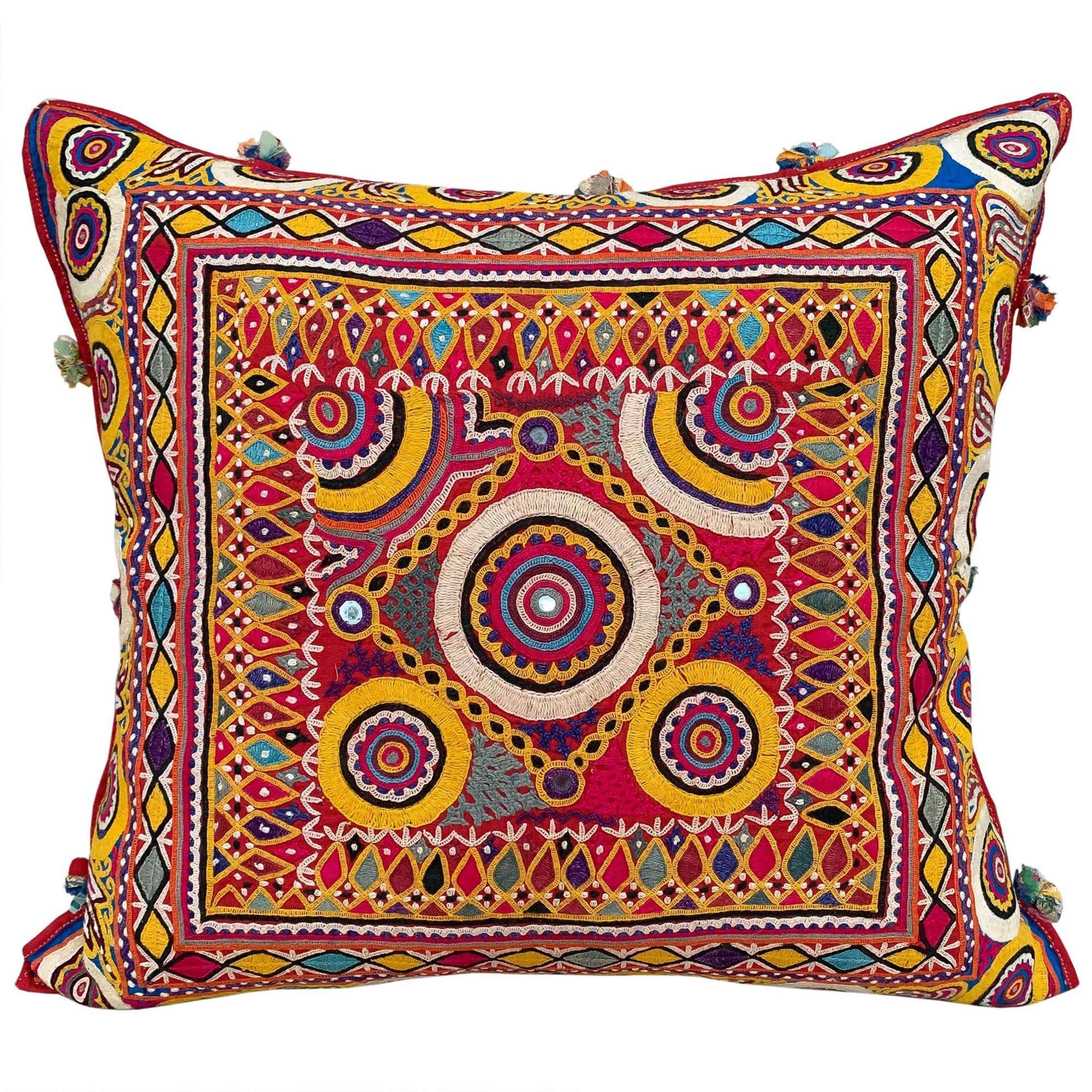 Chackla cushion - circles