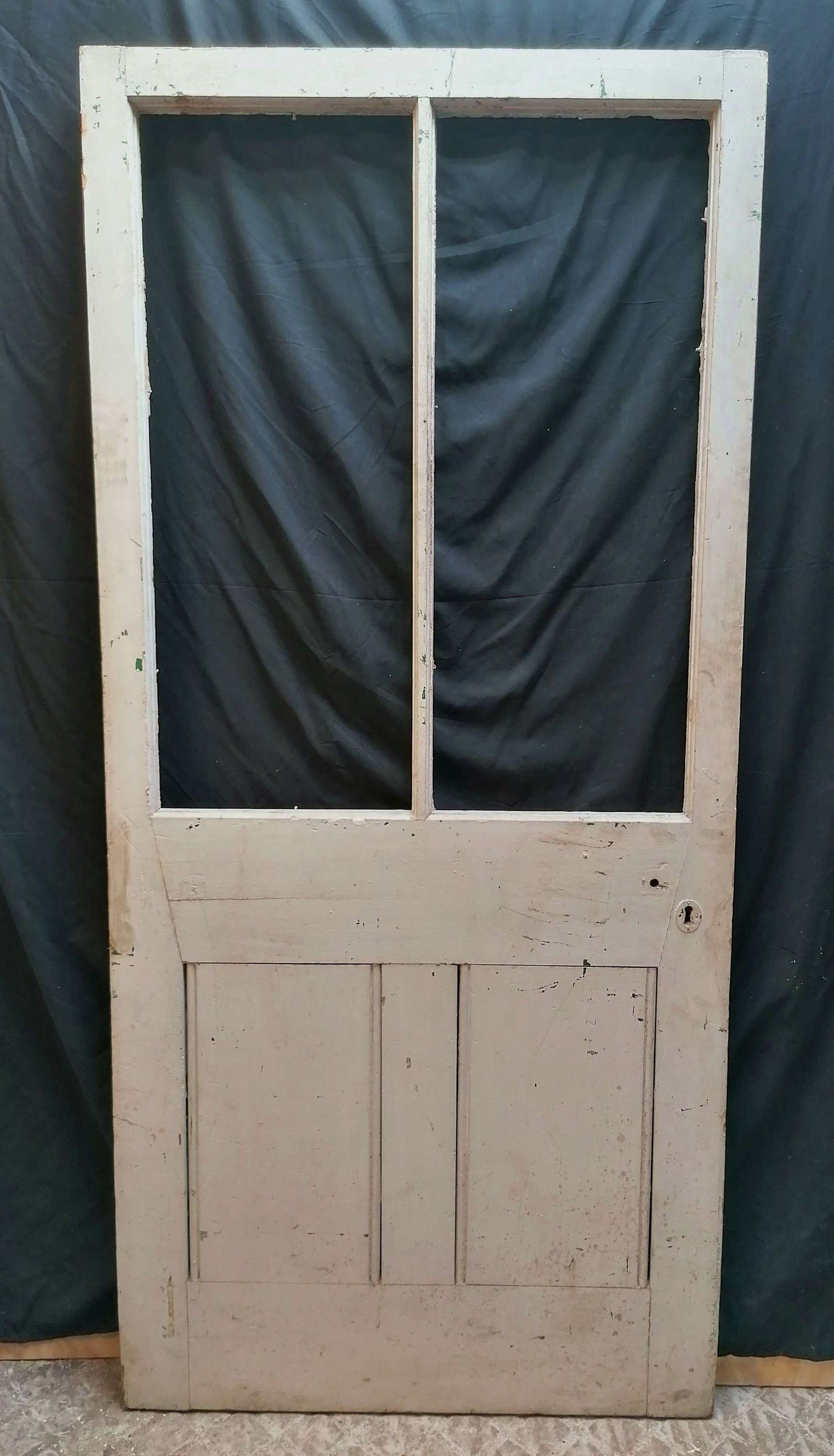 DB0706 RECLAIMED PAINTED PINE VICTORIAN DOOR INTERNAL / EXTERNAL